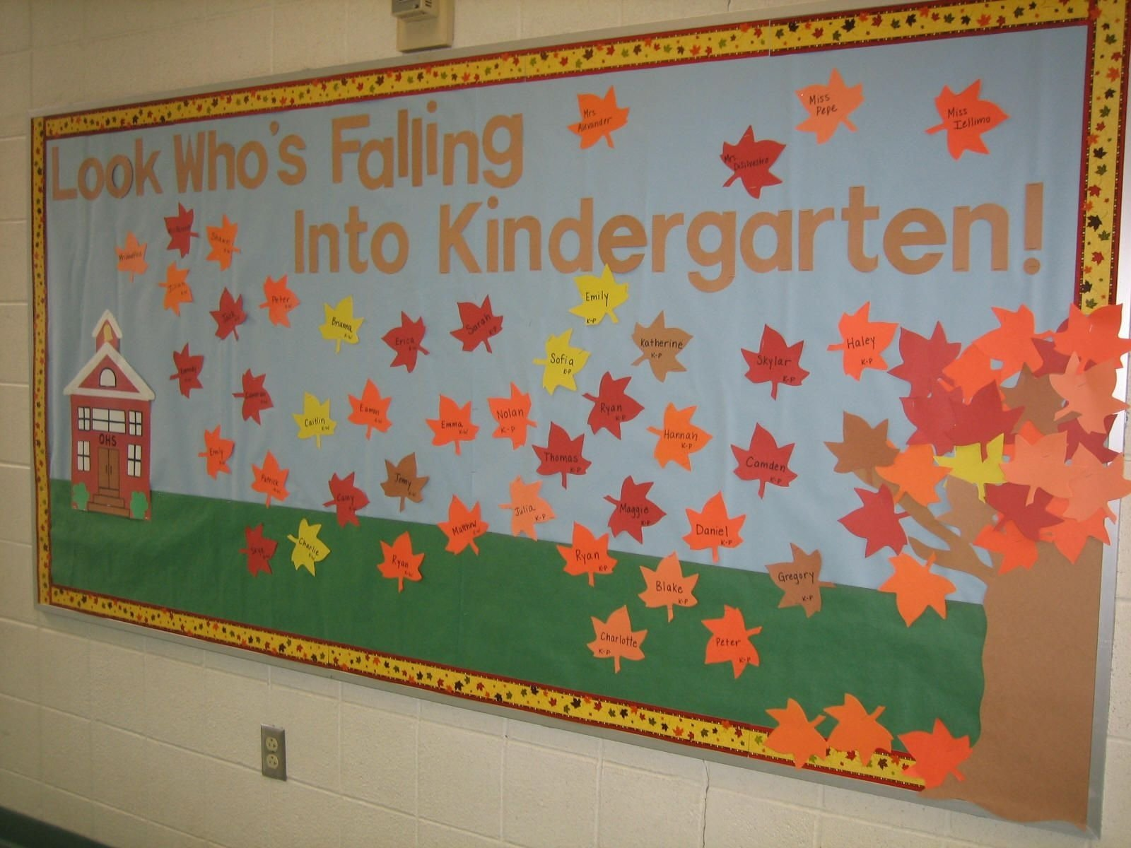 10 Lovely Fall Bulletin Board Ideas Kindergarten back to school bulletin boards kindergarten bulletin boards 2020