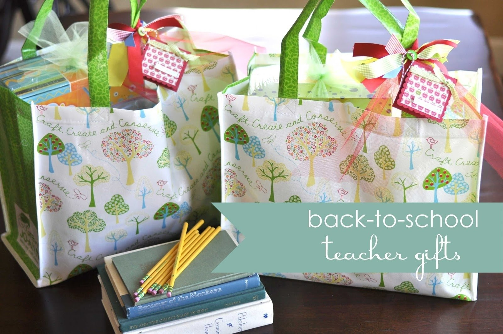 10 Stylish Back To School Gift Ideas For Teachers back to school teacher gift ideas little birdie secrets