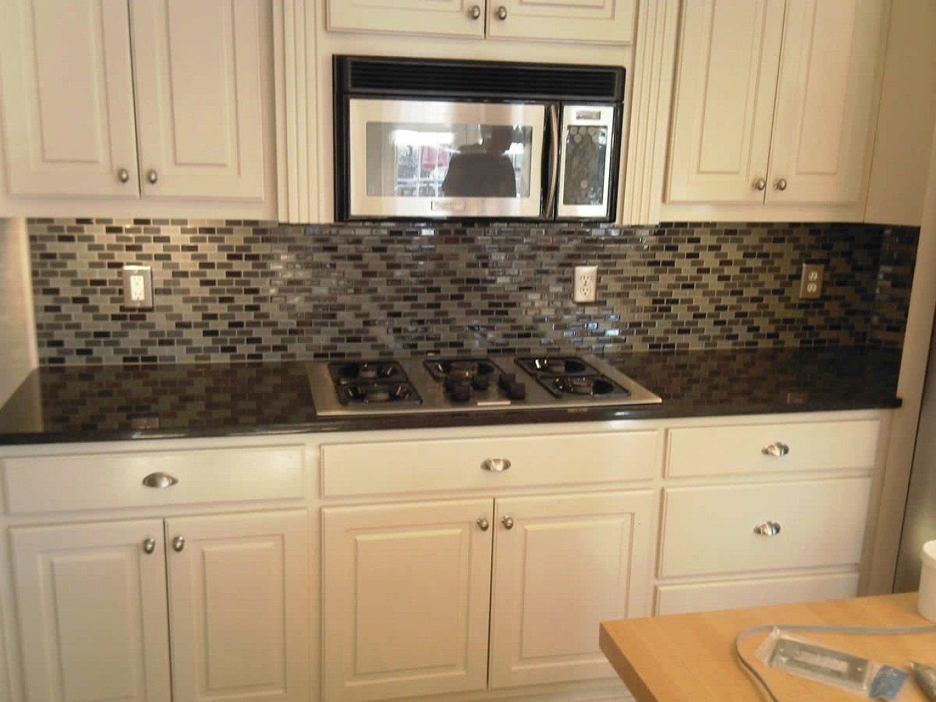 10 Stunning Backsplash Ideas For Kitchens Inexpensive backsplash designs for small kitcheneas formidable kitchens cheap 2021