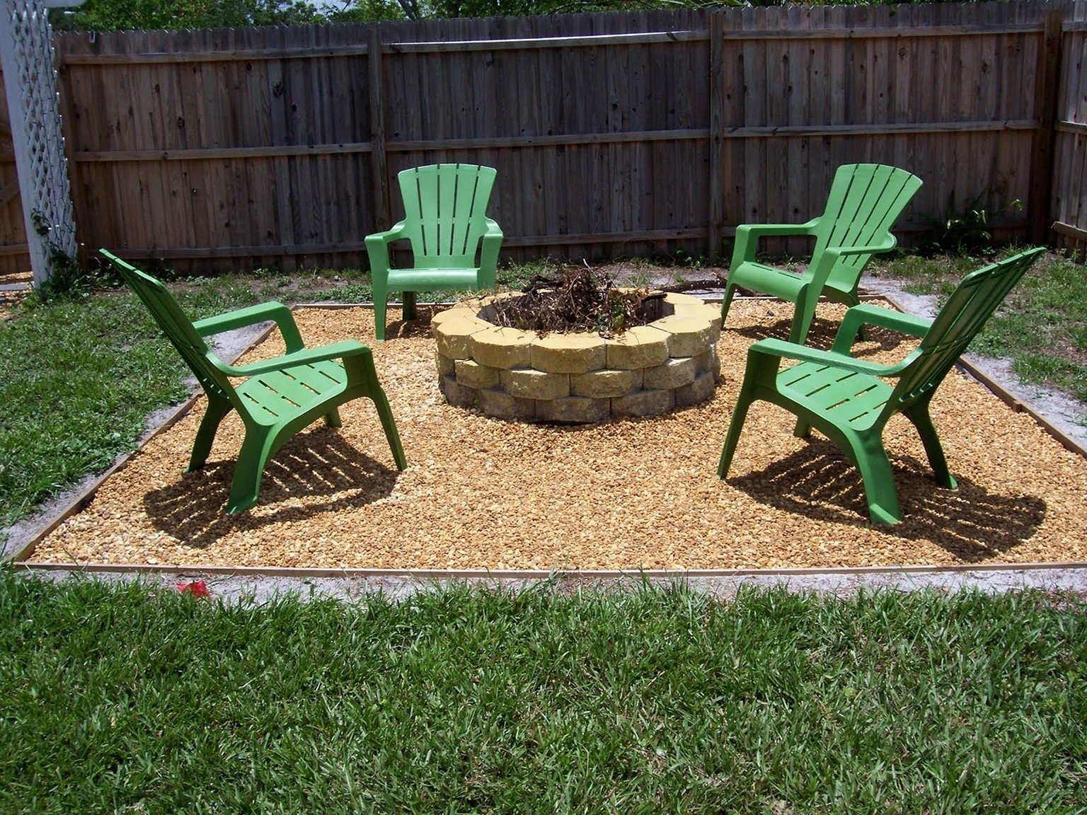 10 Beautiful Simple Backyard Fire Pit Ideas backyard fire pit ideas cheap 2021
