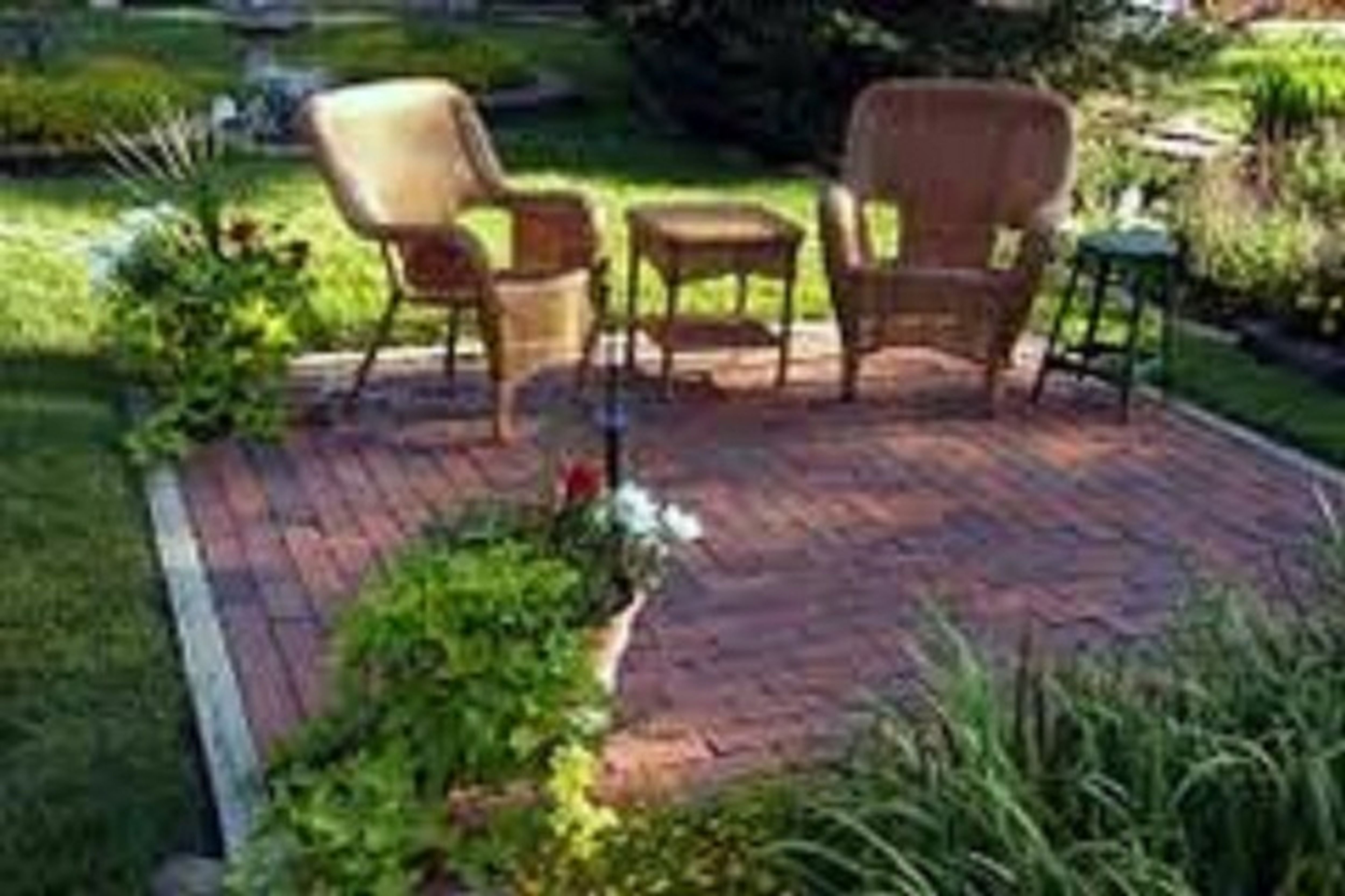 10 Pretty Cheap And Easy Backyard Ideas backyard makeover ideas on a budget outdoor easy landscaping great 2020