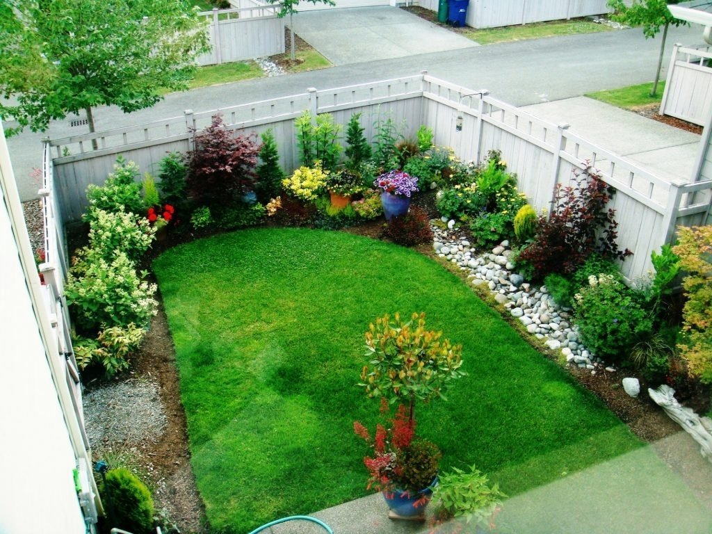 10 Stylish Landscape Ideas For Small Yards backyard small yard landscaping ideas small yard landscape