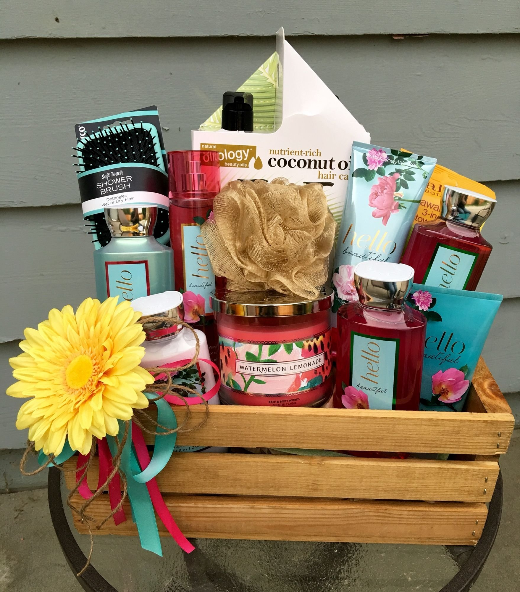 10 Ideal Ideas For Giving Away Door Prizes bath theme basket diaper raffle prize floral theme baby shower 1 2020