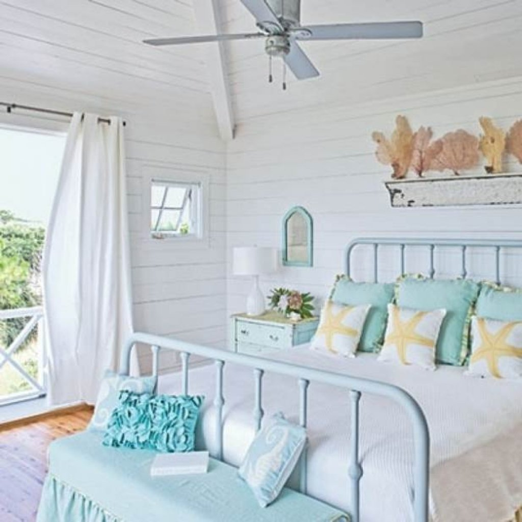 10 Elegant Beach House Decorating Ideas On A Budget beach house decorating ideas on a budget make a photo gallery images