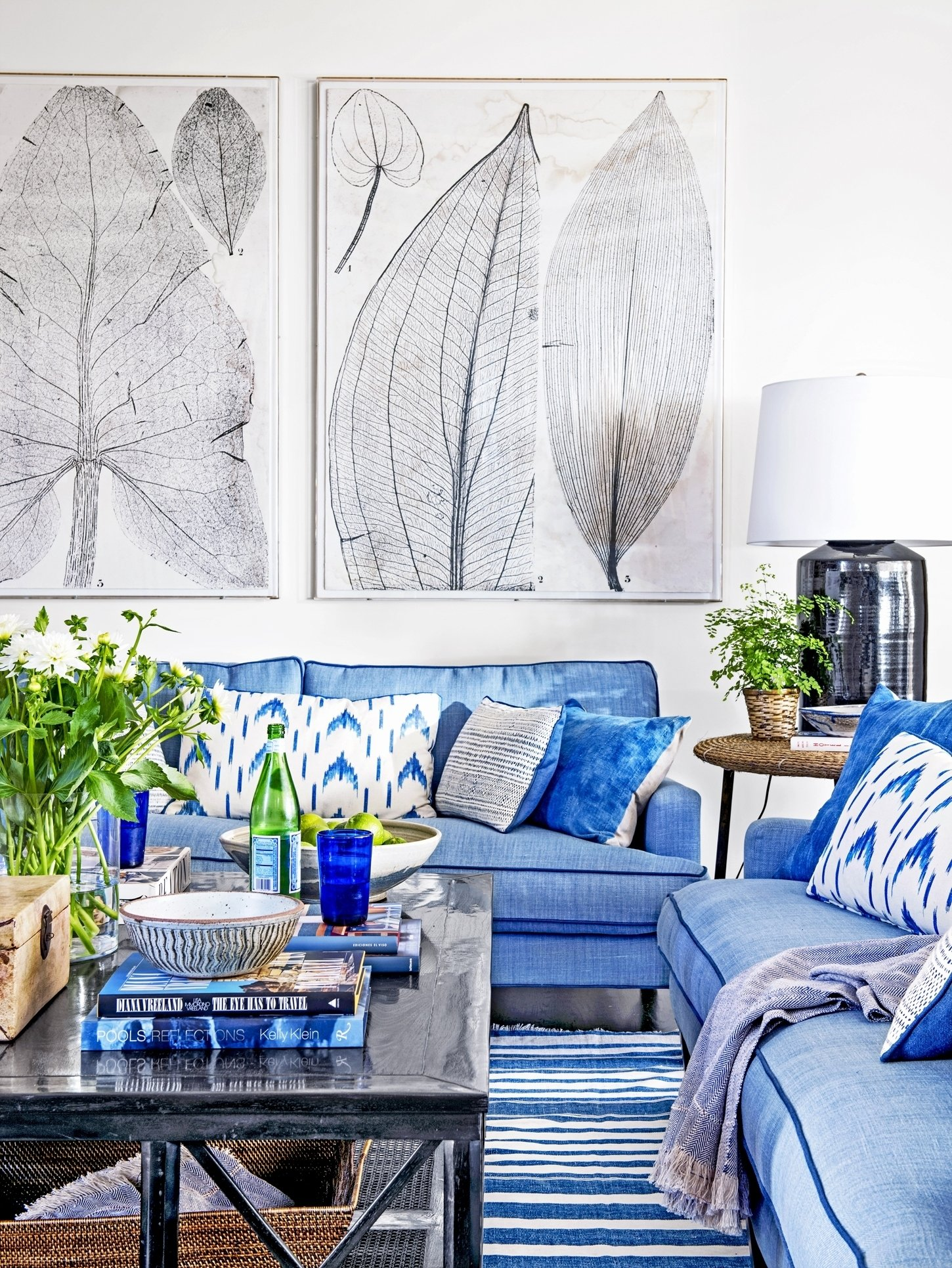 10 Stunning Blue And White Living Room Ideas beautiful blue and white living room decorating ideas along with 2021