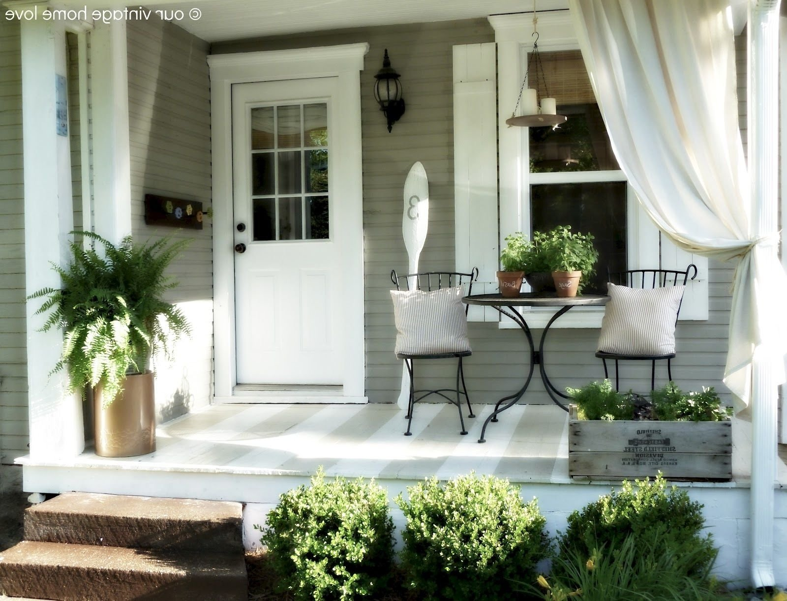 10 Spectacular Small Front Porch Ideas Pictures beautiful small front porch decorating ideas gallery decorating 1 2020