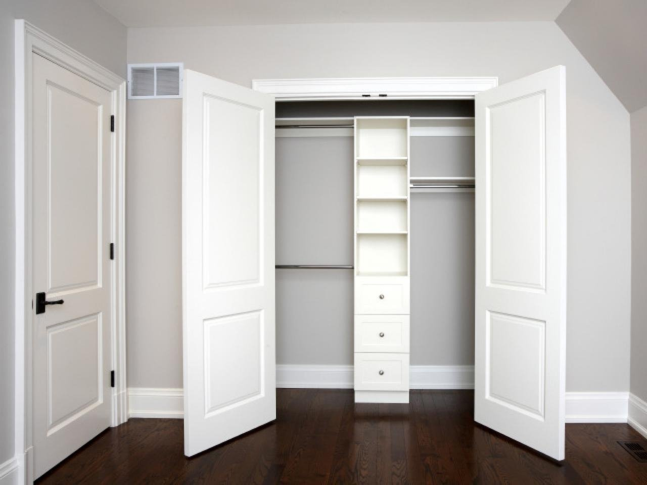 bedroom closet door design ideas • closet doors