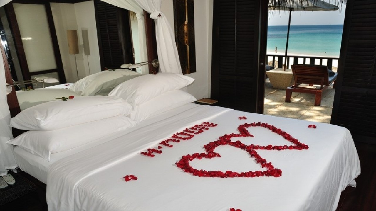 10 Unique Romantic Bedroom Ideas For Valentines Day bedroom how to decorate room romantically valentine day room 2020