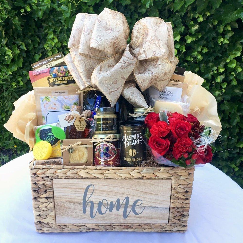 10 Amazing New Home Gift Basket Ideas bella vino gift baskets 2021