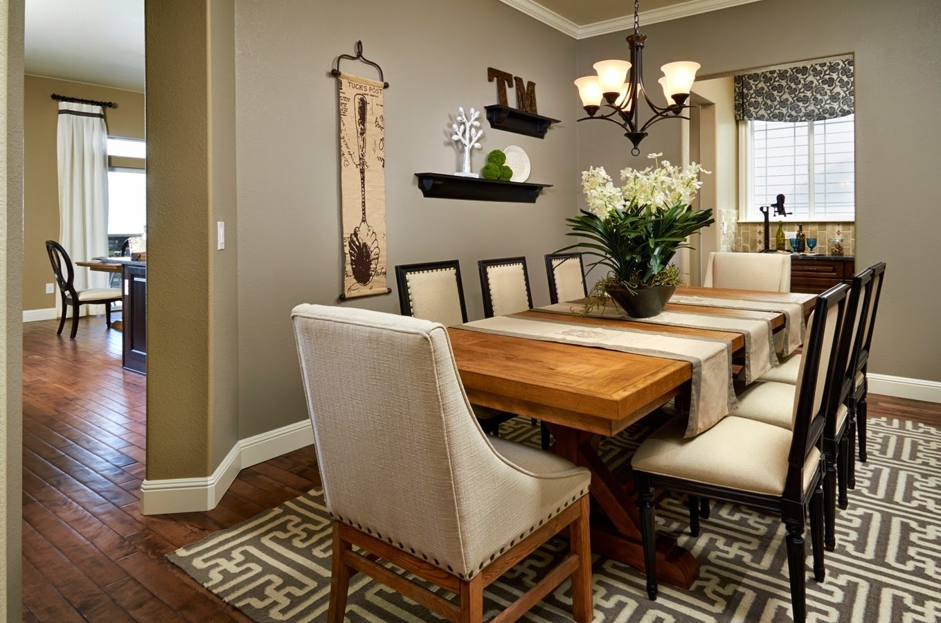 10 Lovable Centerpiece Ideas For Dining Room Table best centerpiece ideas for dining room table zachary horne homes 1 2020