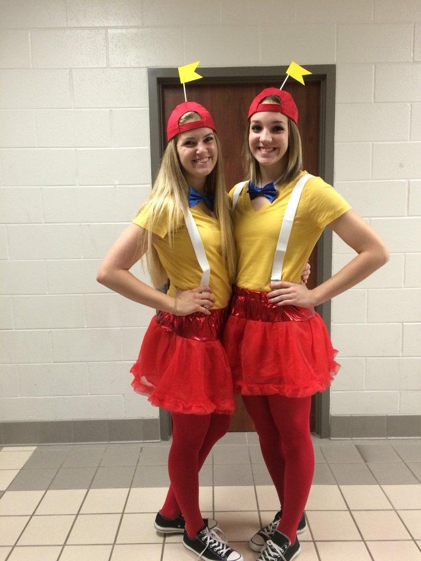 10 Elegant Cute Ideas For Twin Day best friend twin day for school spirit week tweedledee and 7 2020