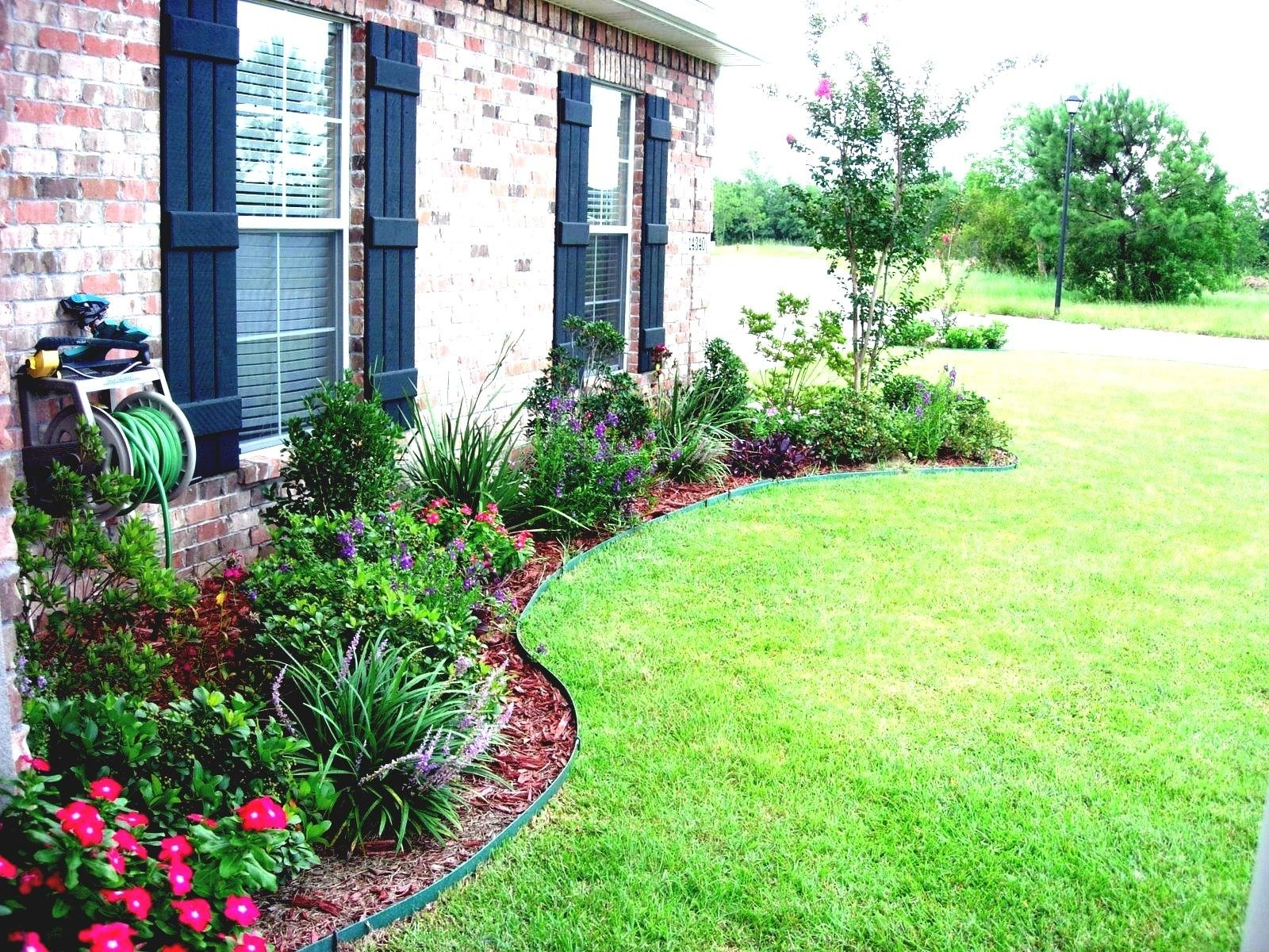 10 Lovable Front Of The House Landscaping Ideas best front house landscaping ideas on pinterest yard and eefdbaeb 1 2020