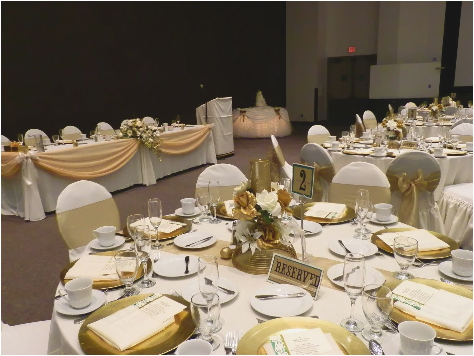10 Stunning 50 Wedding Anniversary Party Ideas %name 2021