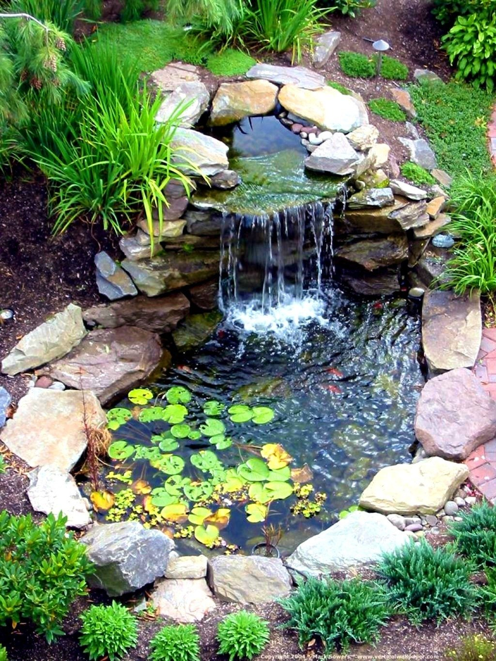 10 Perfect Water Feature Ideas For Small Gardens best water features for small gardens water fountains ideas 2020