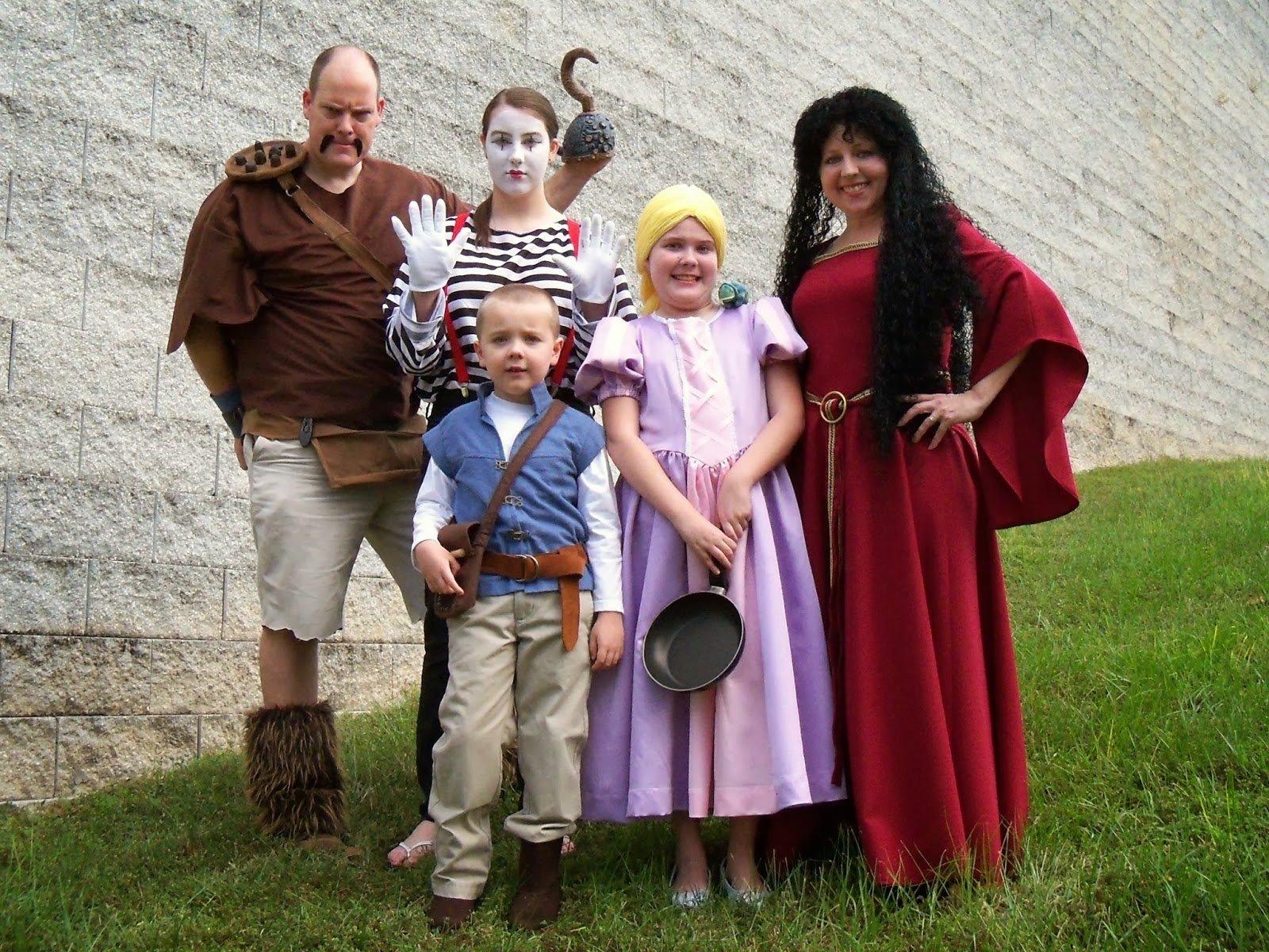 10 Fashionable Family Of Four Halloween Costume Ideas bird on a cake 2013 2020