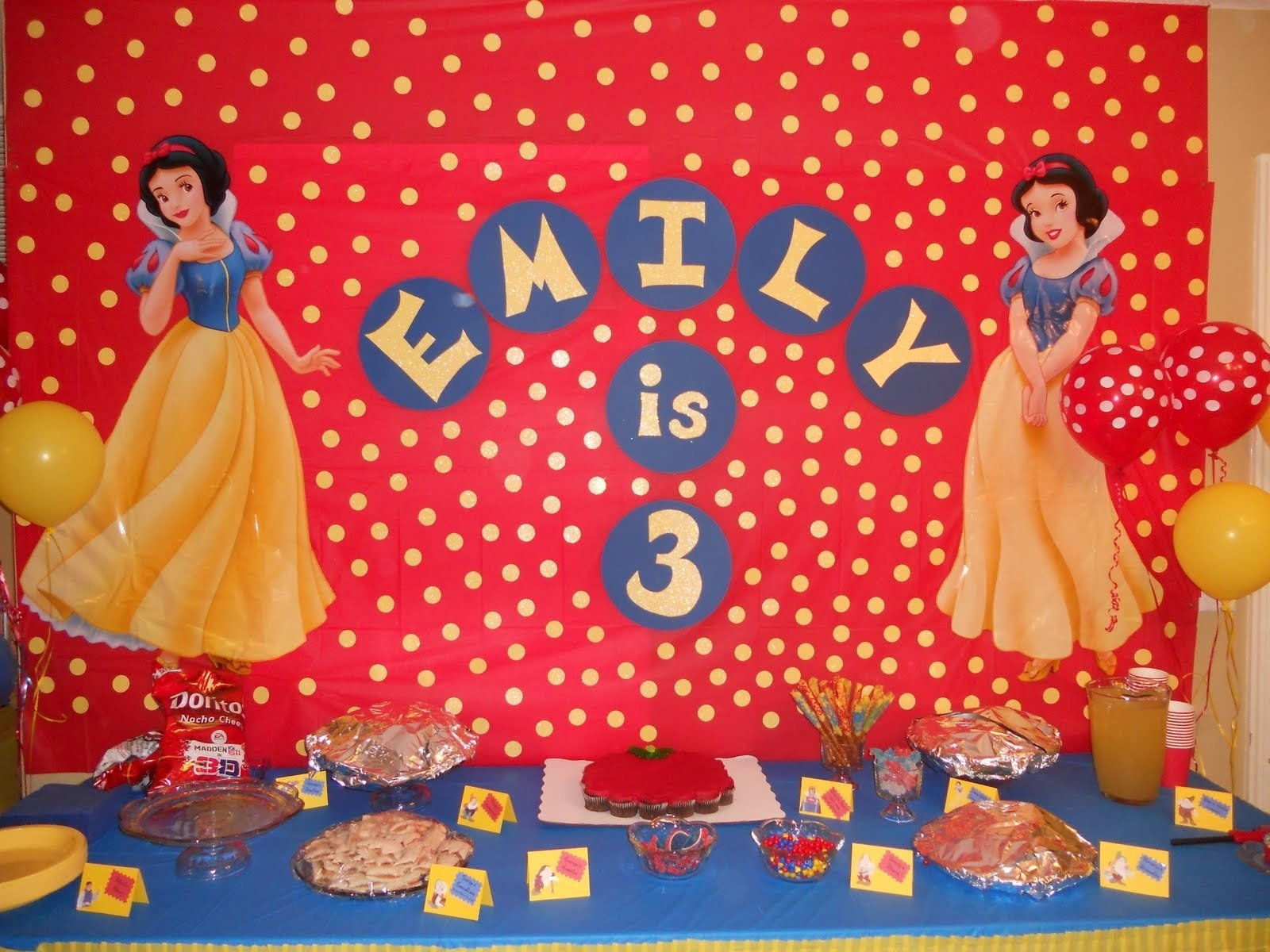 10 Fashionable Snow White Birthday Party Ideas birthday parties for girls snow white and the seven dwarfs birthday