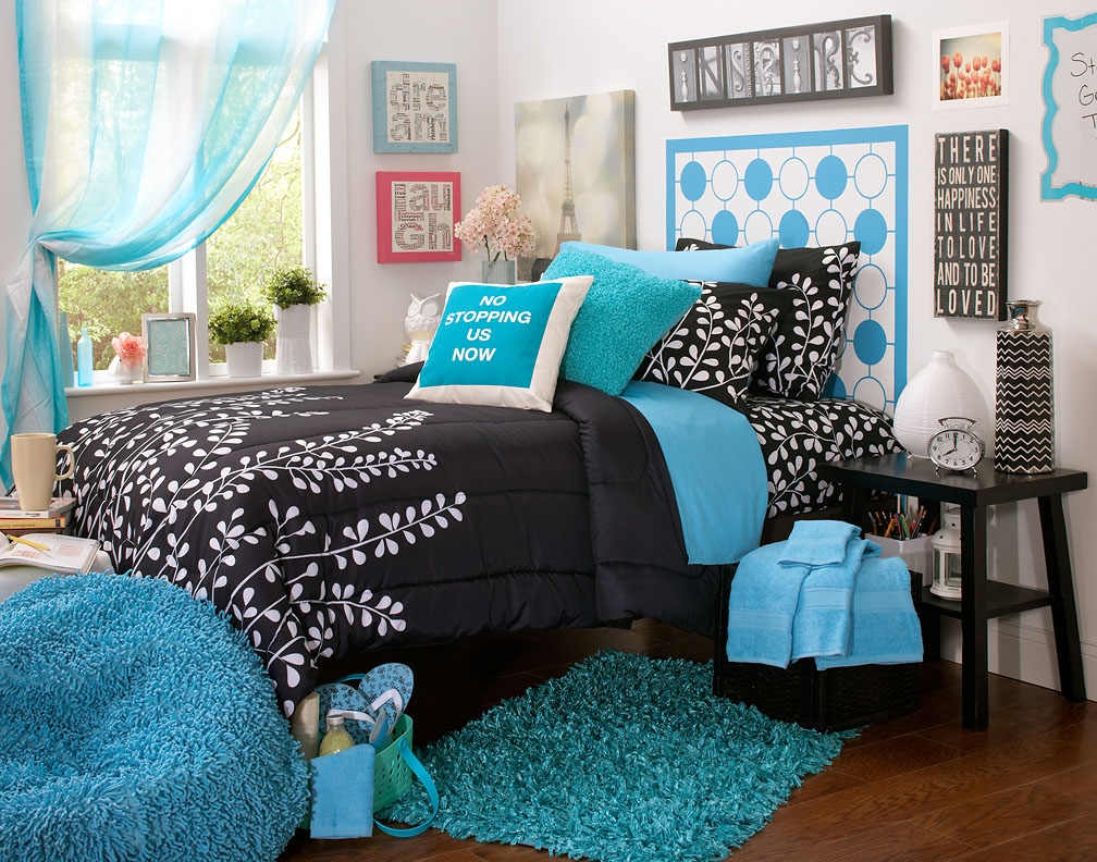 10 Amazing Black And Blue Bedroom Ideas black and white and blue rooms amazing home interior 2020