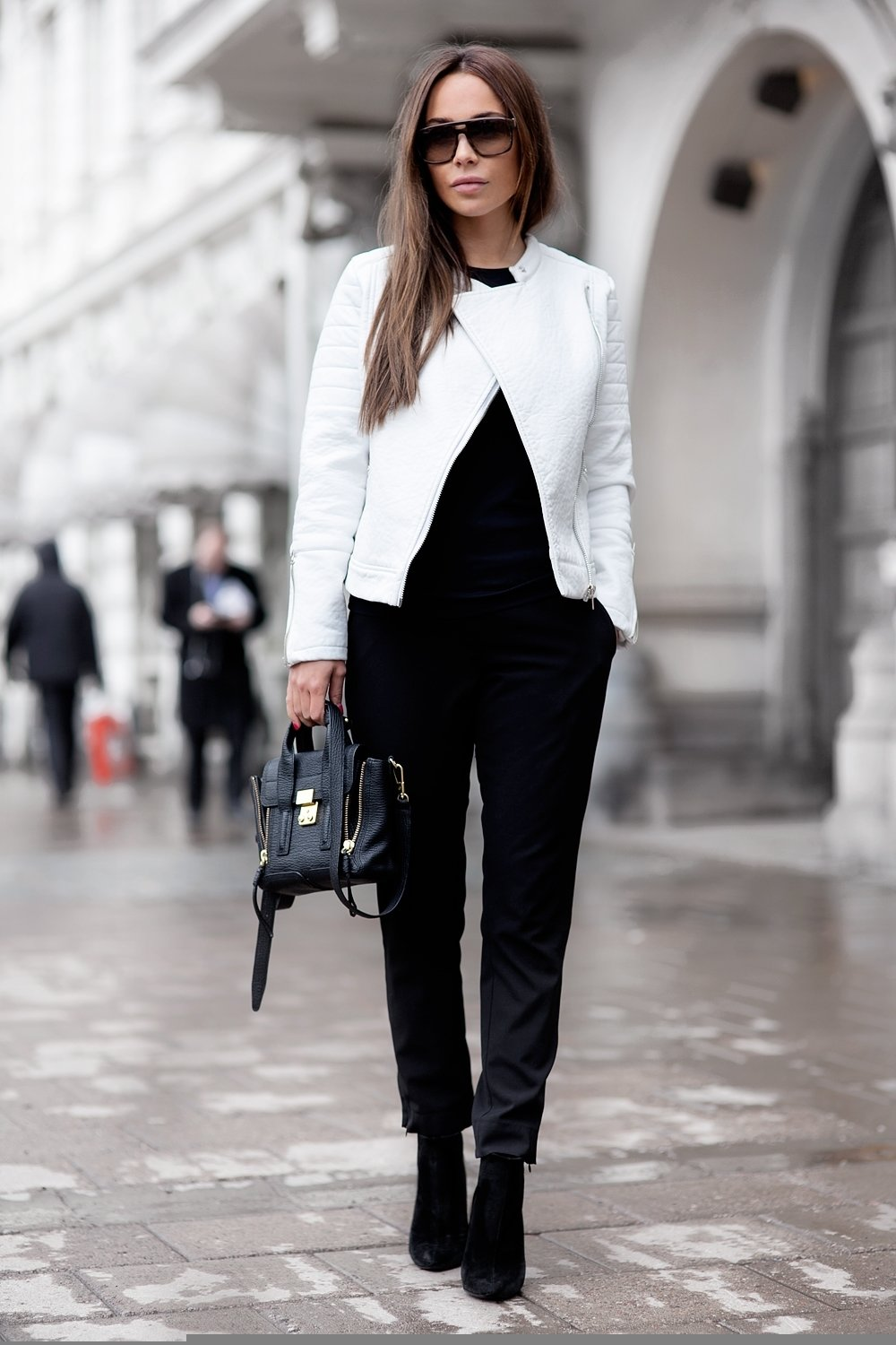 10 Unique Black And White Outfit Ideas black and white outfits just the design 1 2021