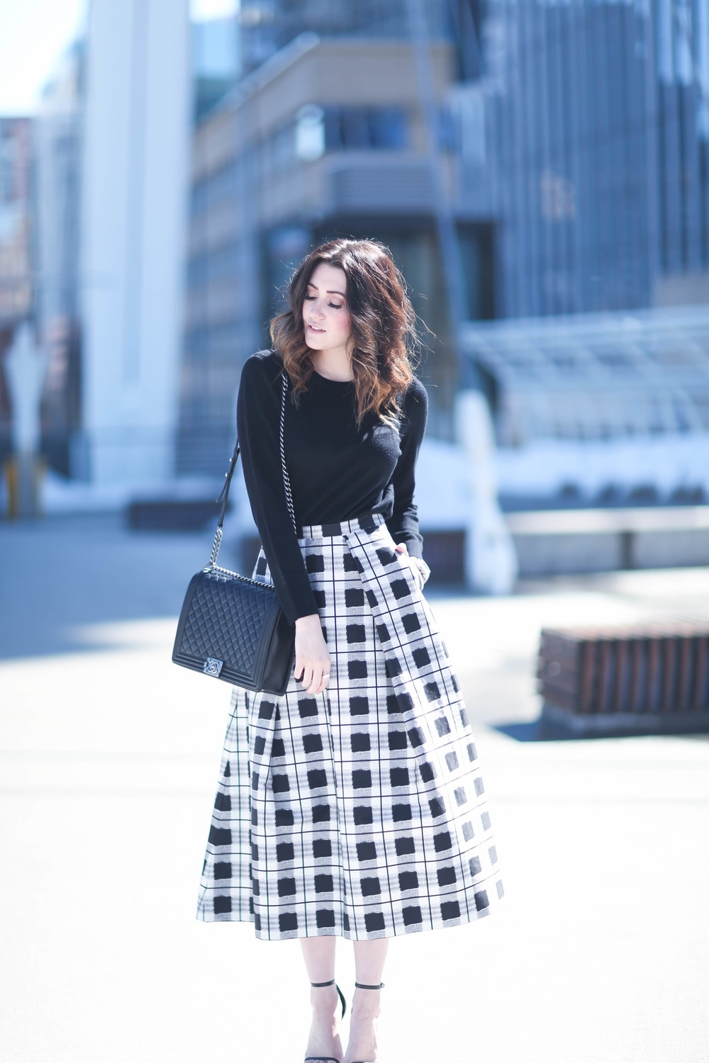 10 Unique Black And White Outfit Ideas %name 2021