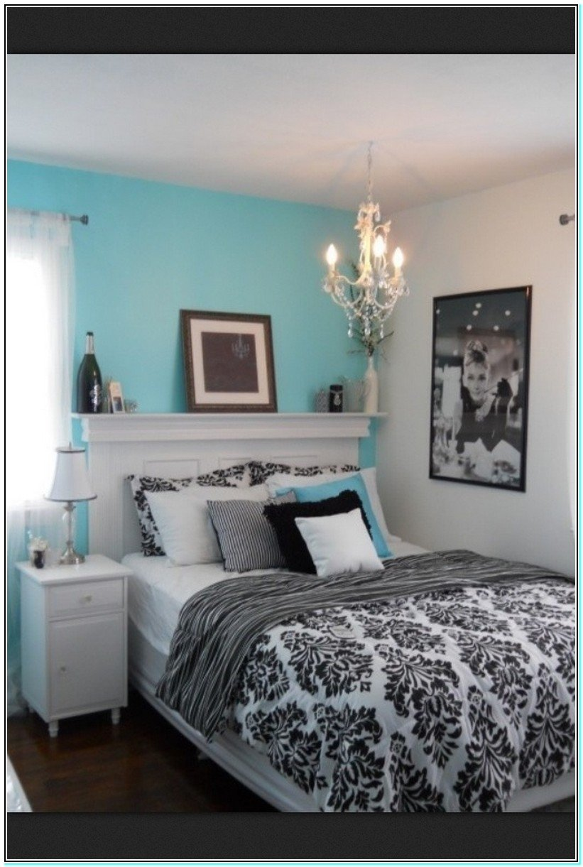 10 Awesome Black And White Room Ideas black and white room guide 3
