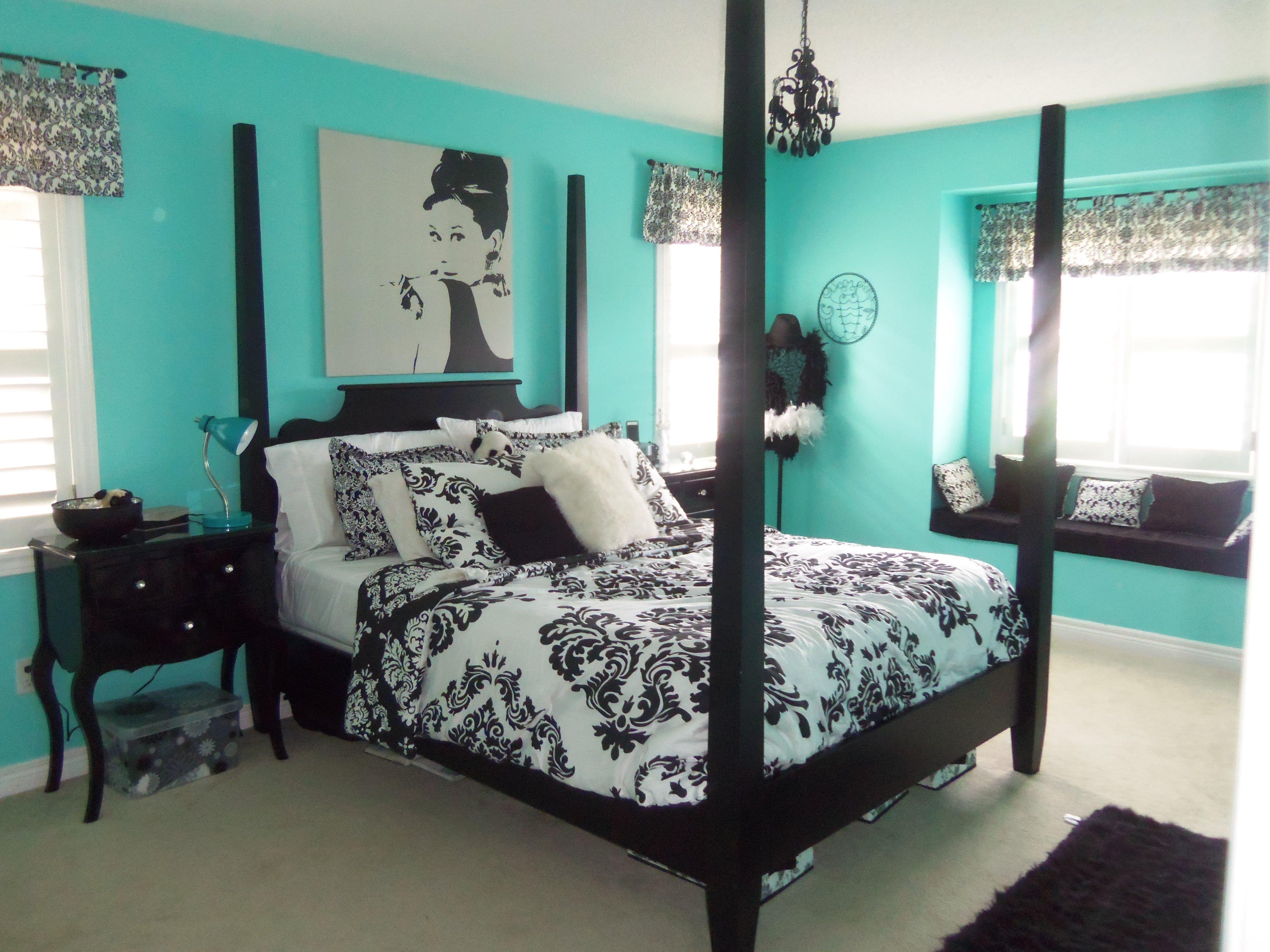 10 Lovable Blue And Black Bedroom Ideas black bedroom ideas inspiration for master bedroom designs 1 2020