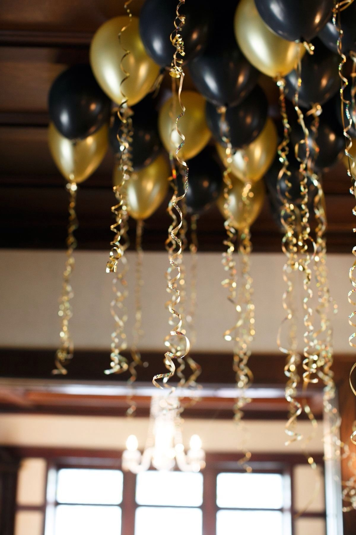 10 Fantastic Black And Gold Party Ideas black gold party saints parties celebrations pinterest 1