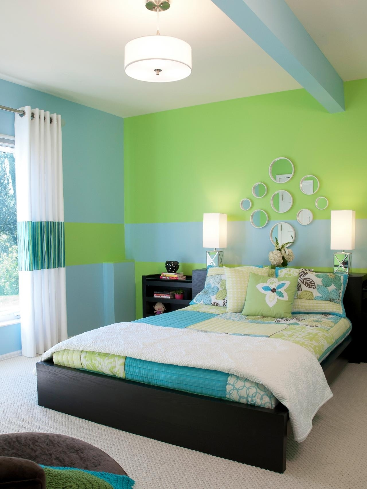 blue white and green bedrooms • white bedroom ideas