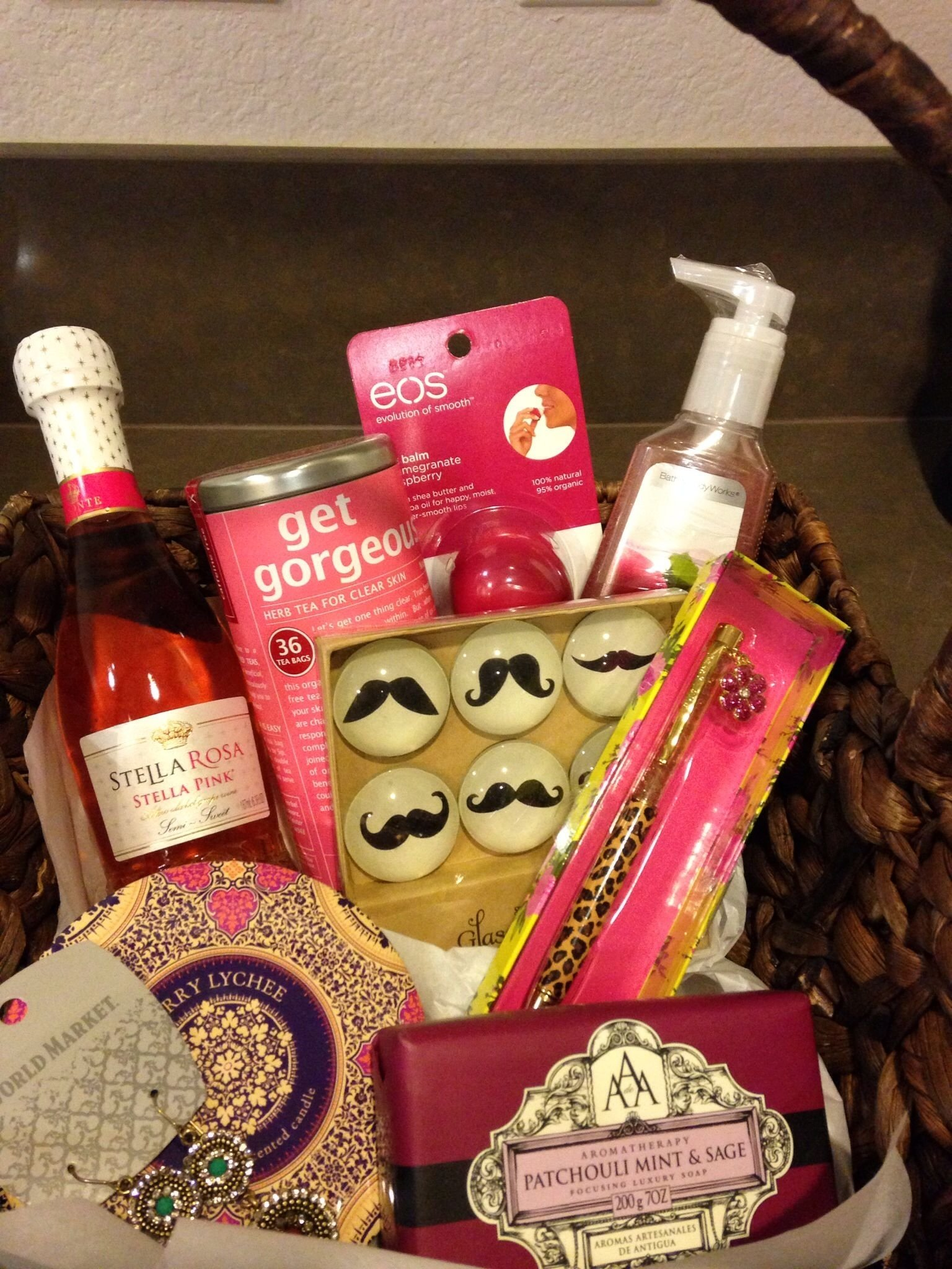 10 Famous Gift Ideas For Bosses Day bosss day gift basket ac stuff you wouldnt think about 2021