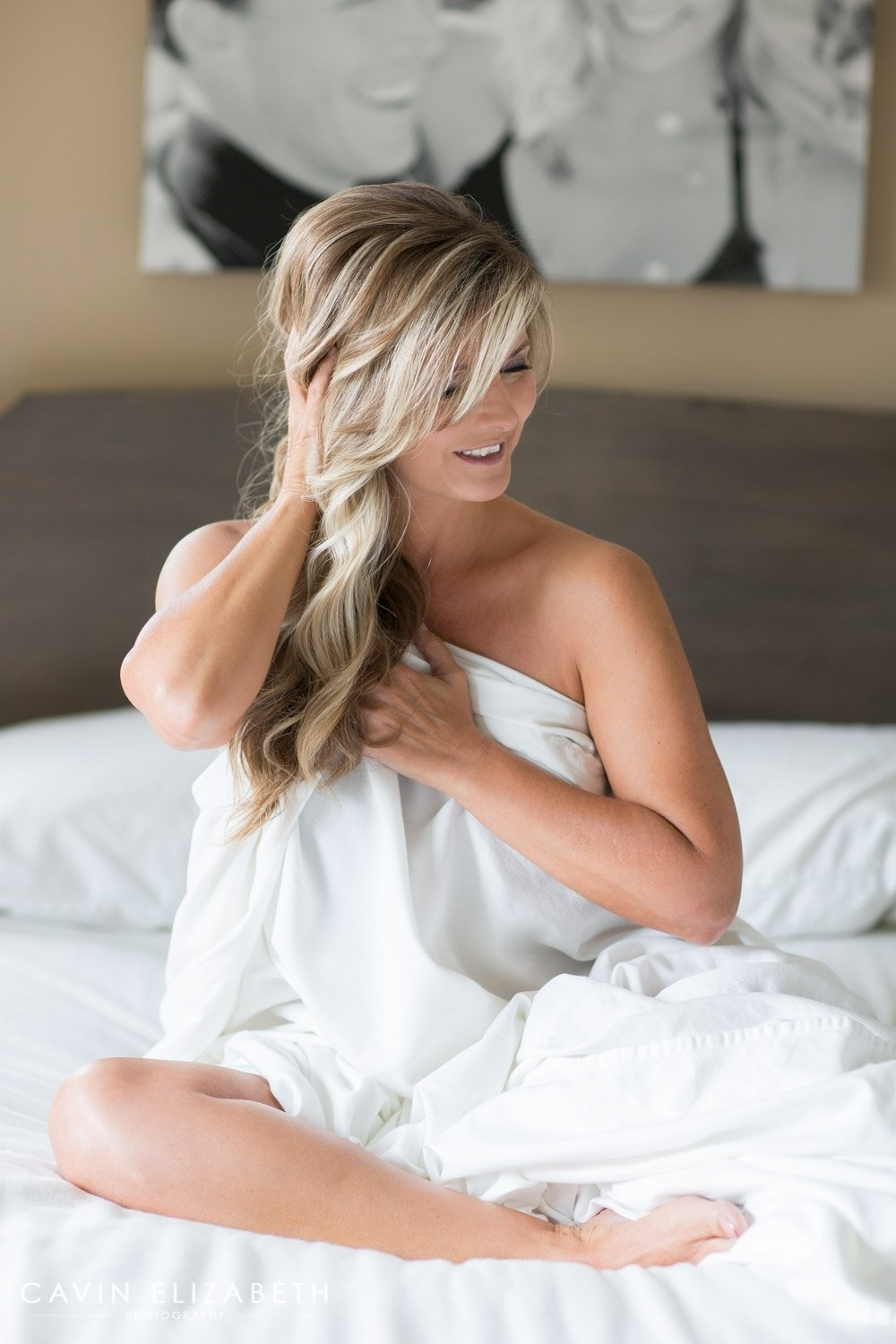 10 Perfect Boudoir Photo Ideas For Husband boudoir photography session in san diego 2021