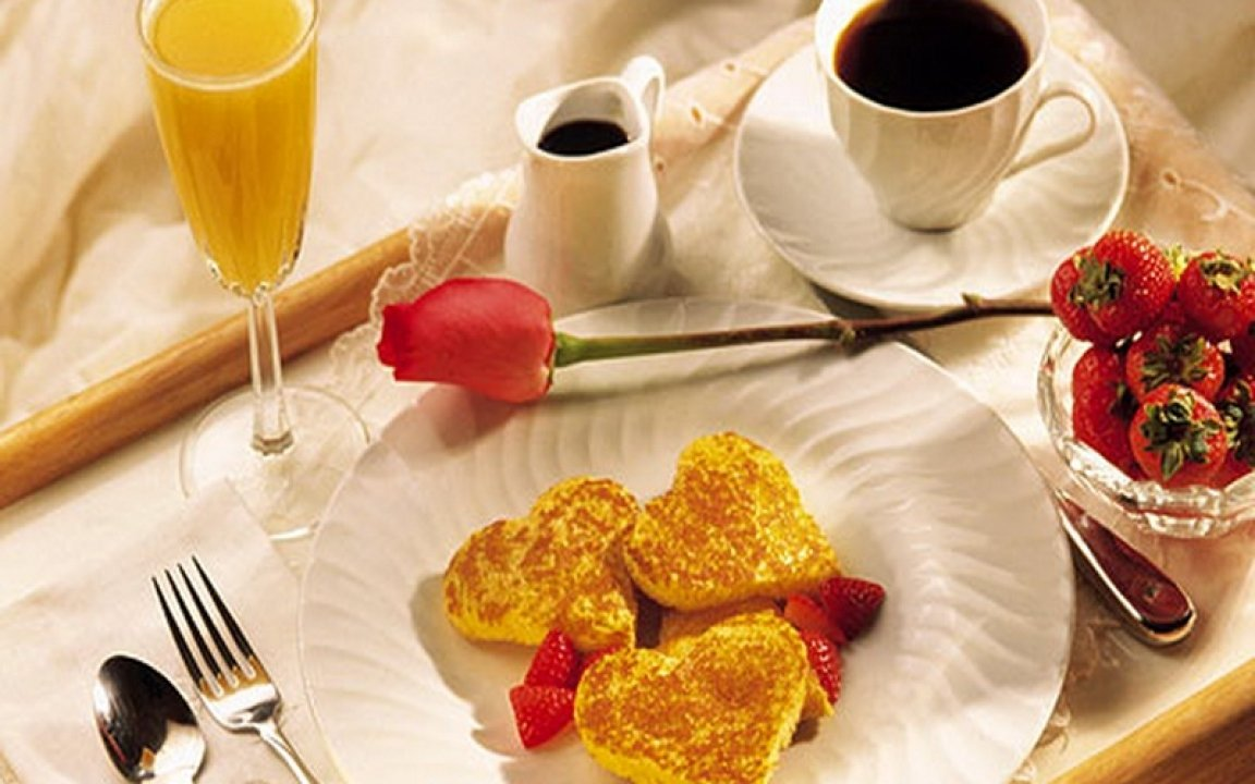 10 Gorgeous Romantic Breakfast In Bed Ideas breakfast in bed valentine day ideas for him and her creative 1