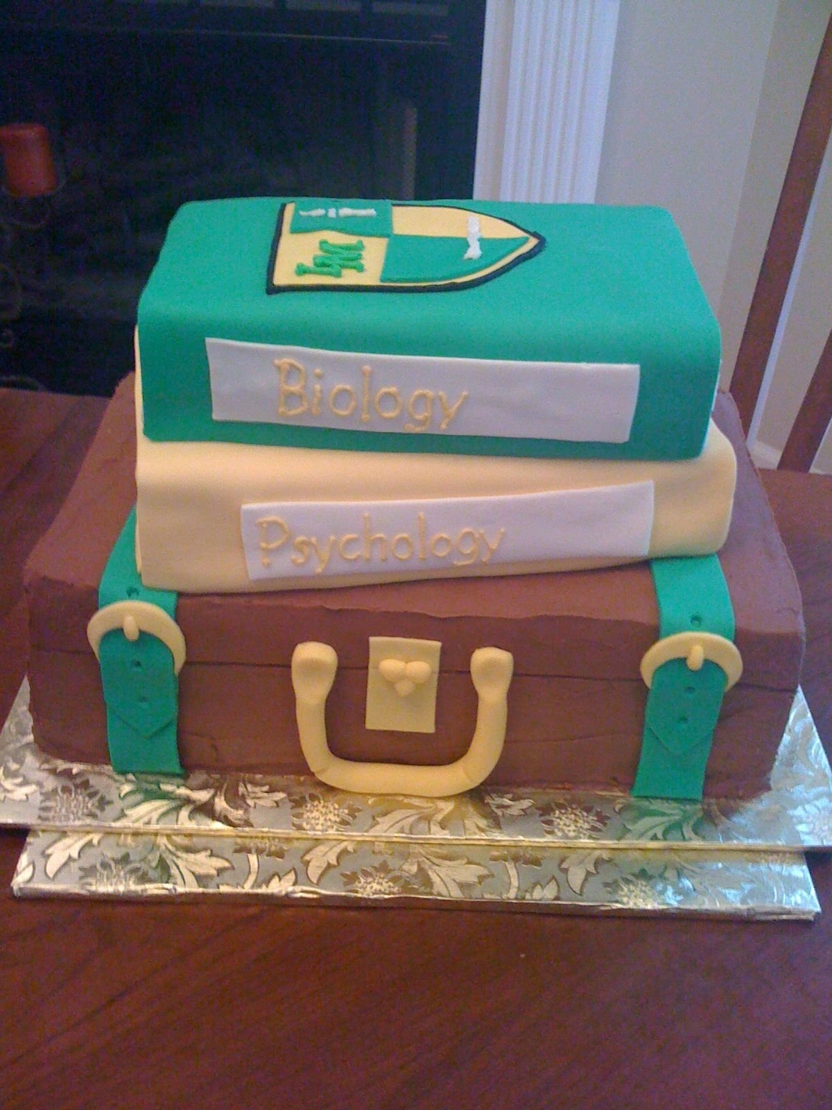 10 Pretty College Send Off Party Ideas cake for college send off trunk send off party pinterest 2021