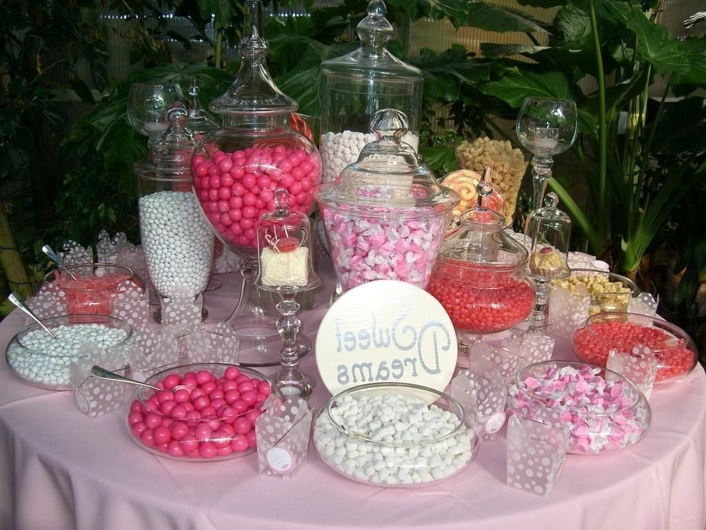 10 Amazing Candy Bar Ideas For Weddings candy buffet ideas for weddings pink candy bar for wedding candy 1 2020
