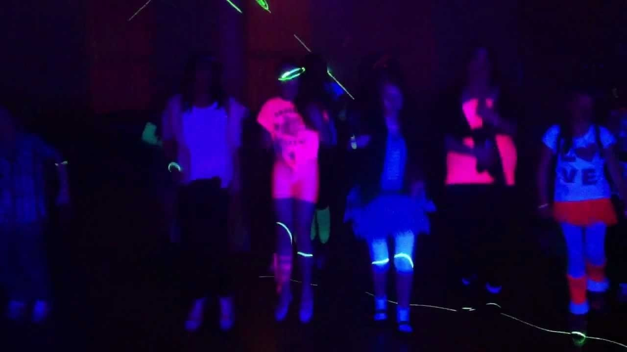 10 Trendy Glow In The Dark Outfit Ideas caras neon glow party youtube 2021