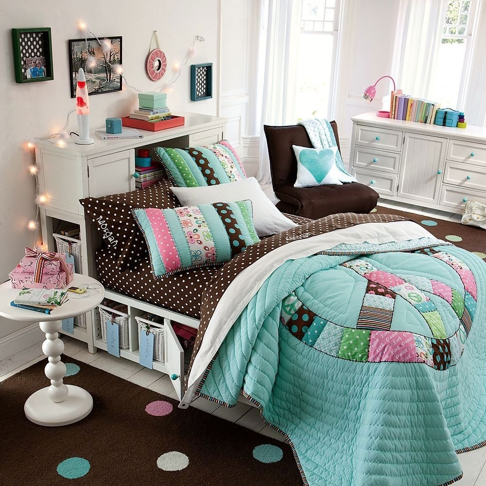 catchy teen girl bedroom with round white nightstand and brown rug