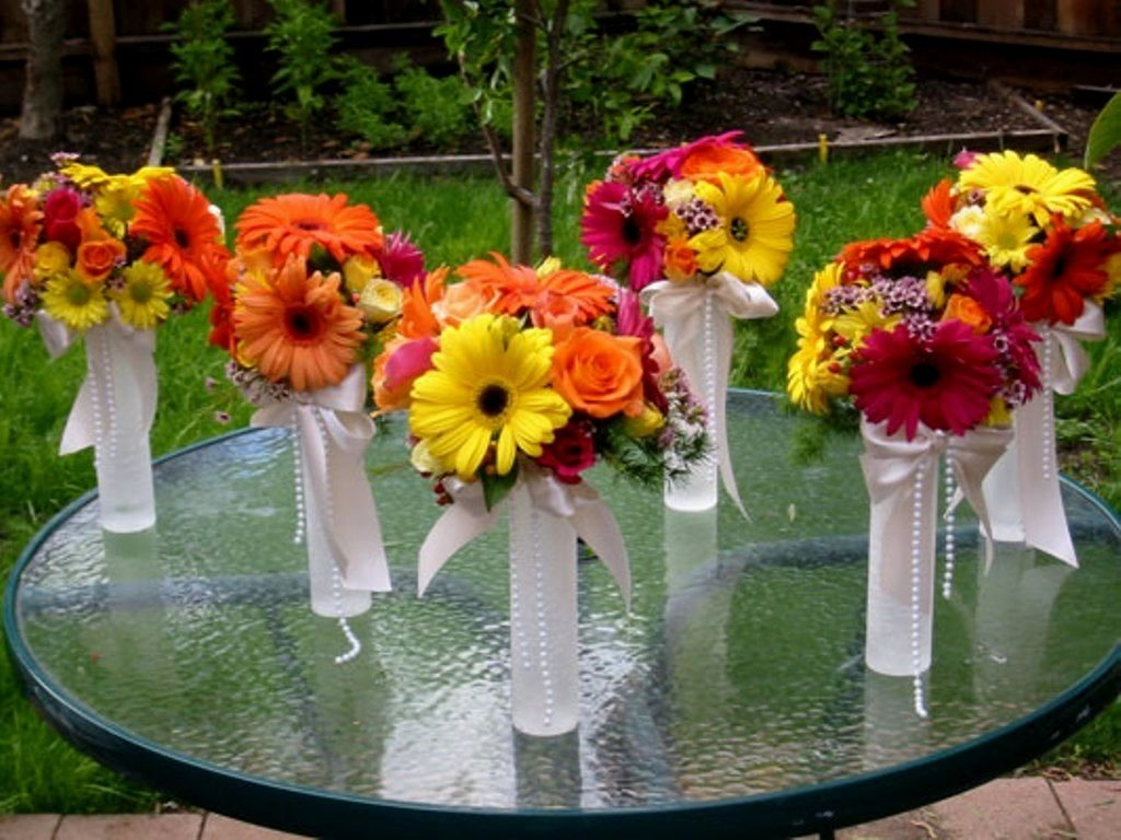 10 Fabulous Spring Wedding Ideas On A Budget cheap wedding ideas for spring 50th anniversary cakes affordable 1