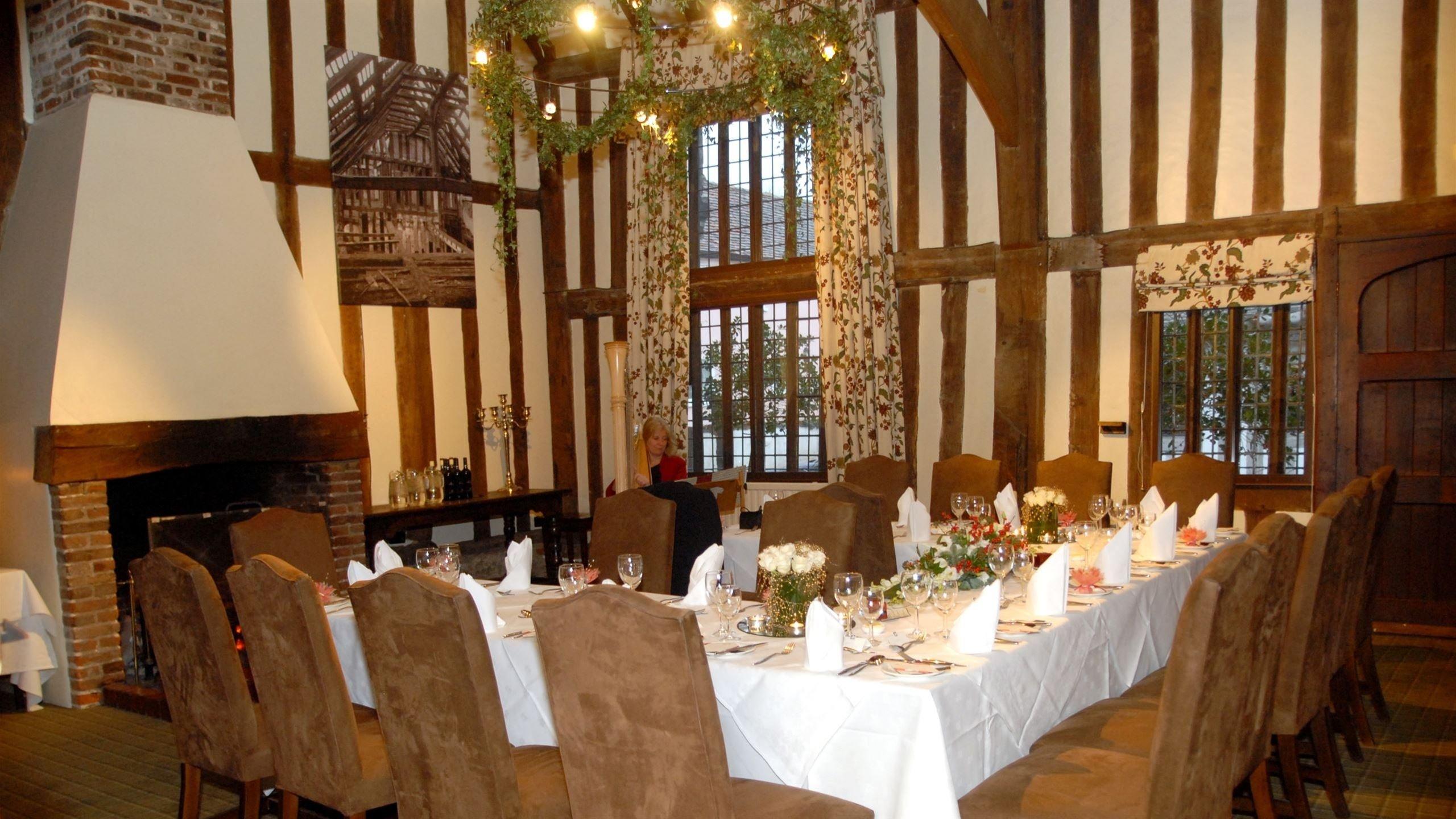 10 Gorgeous Cheap Wedding Ideas For Winter cheap wedding ideas for winter wedding ideas uxjj 1