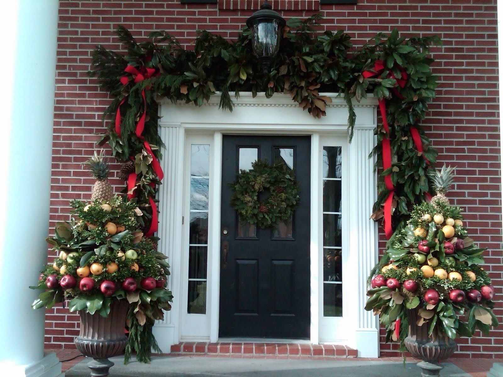 10 Awesome Front Door Christmas Decorating Ideas christmas decorating your front door decorations ideas decor festive 2 2020