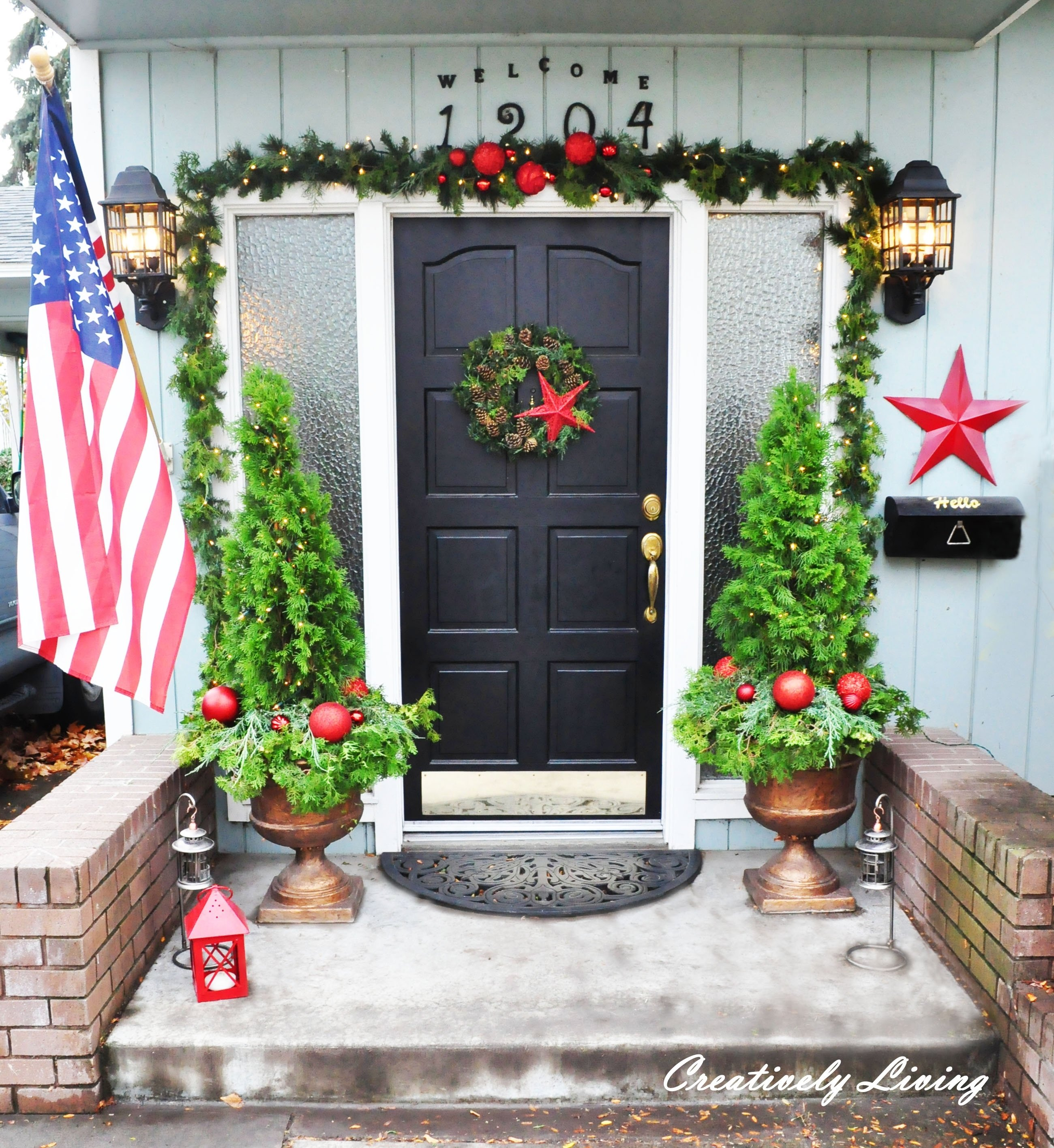 10 Spectacular Front Door Christmas Decorations Ideas