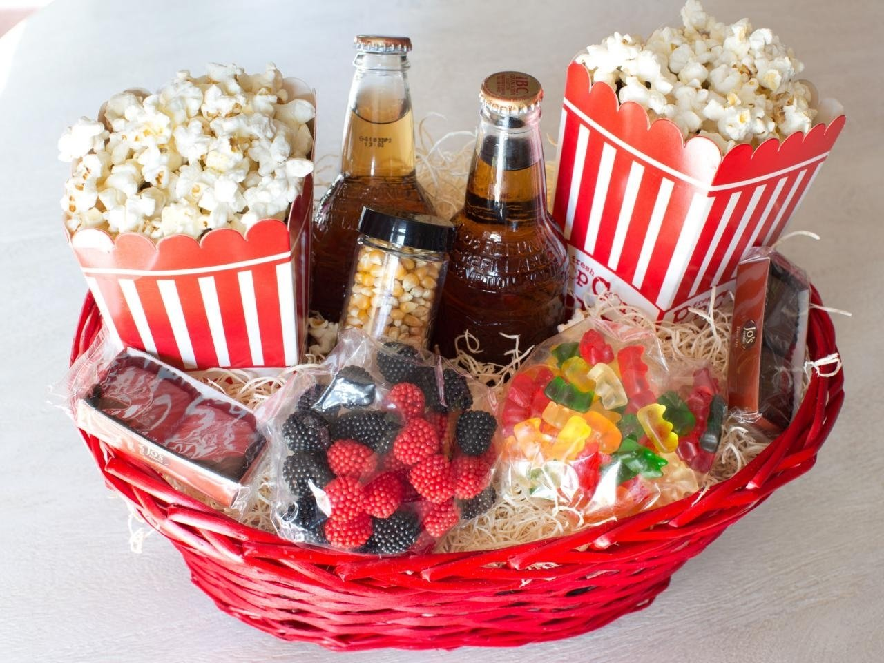 10 Unique Movie Themed Gift Basket Ideas 2019