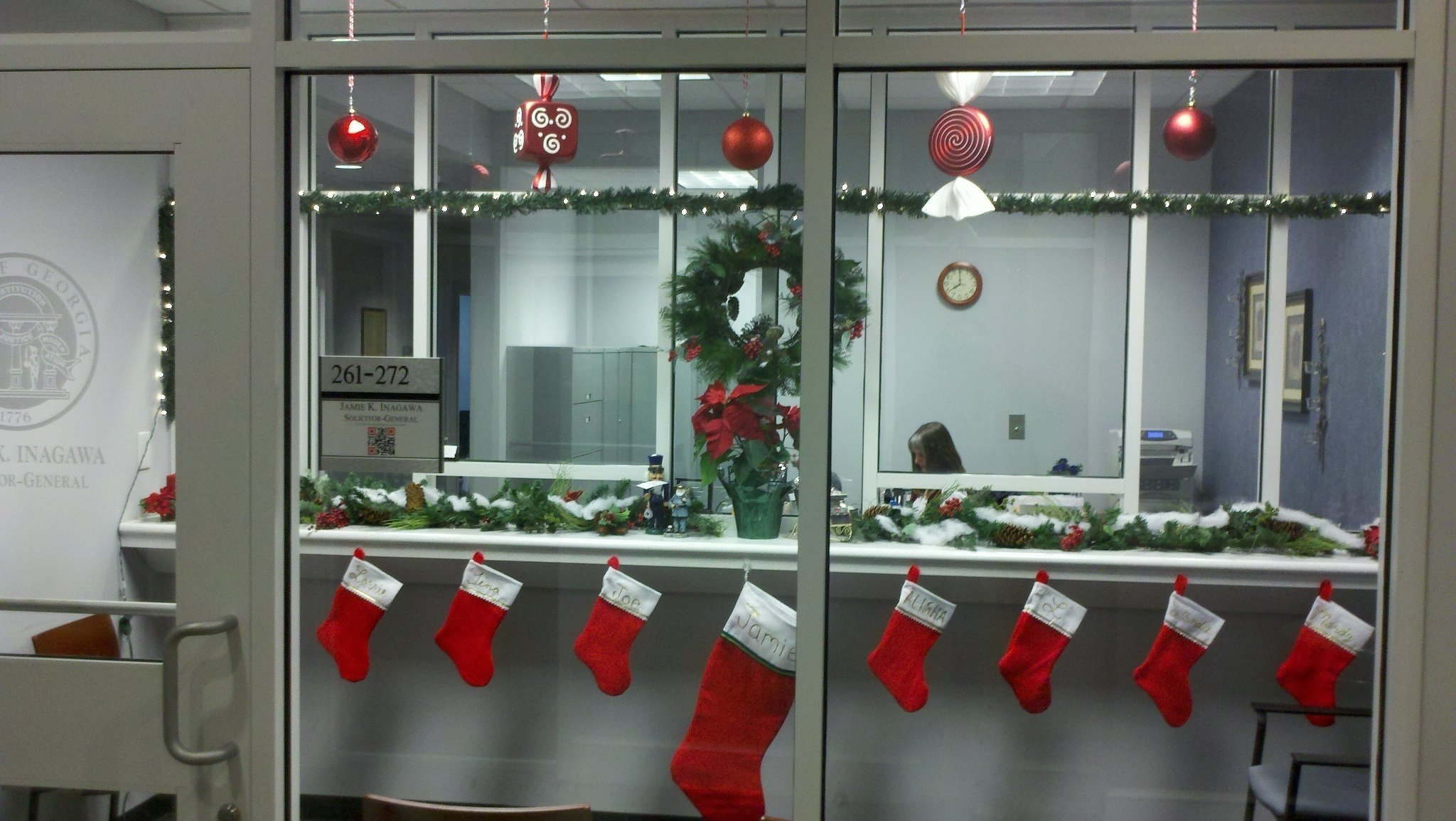 christmas: office christmas decor ideas