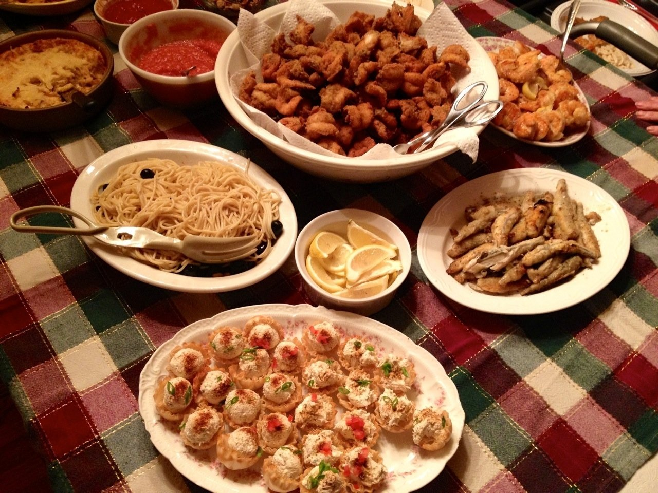 10 Perfect Christmas Eve Fish Dinner Ideas christmas past who eats like this