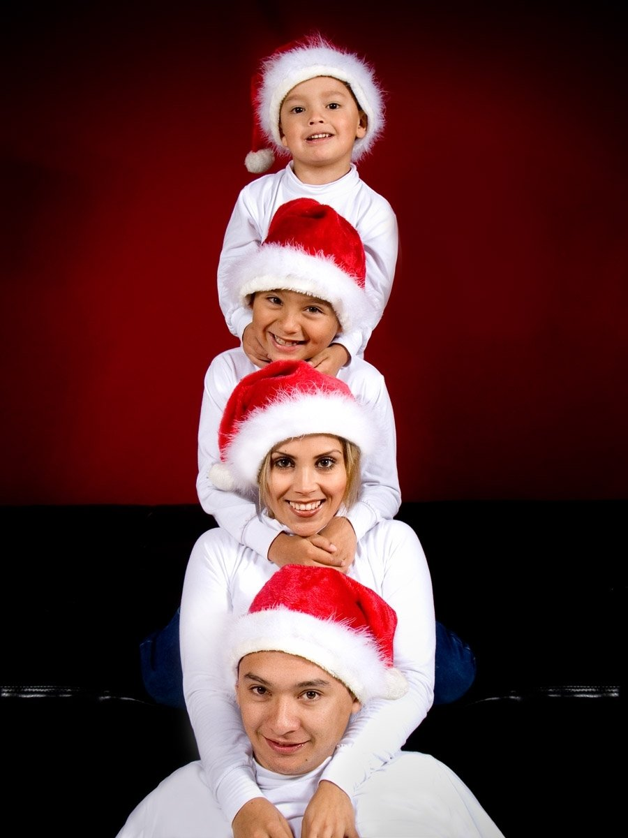 10 Cute Cute Christmas Family Photo Ideas christmas photo shoot ideas for creative people 1