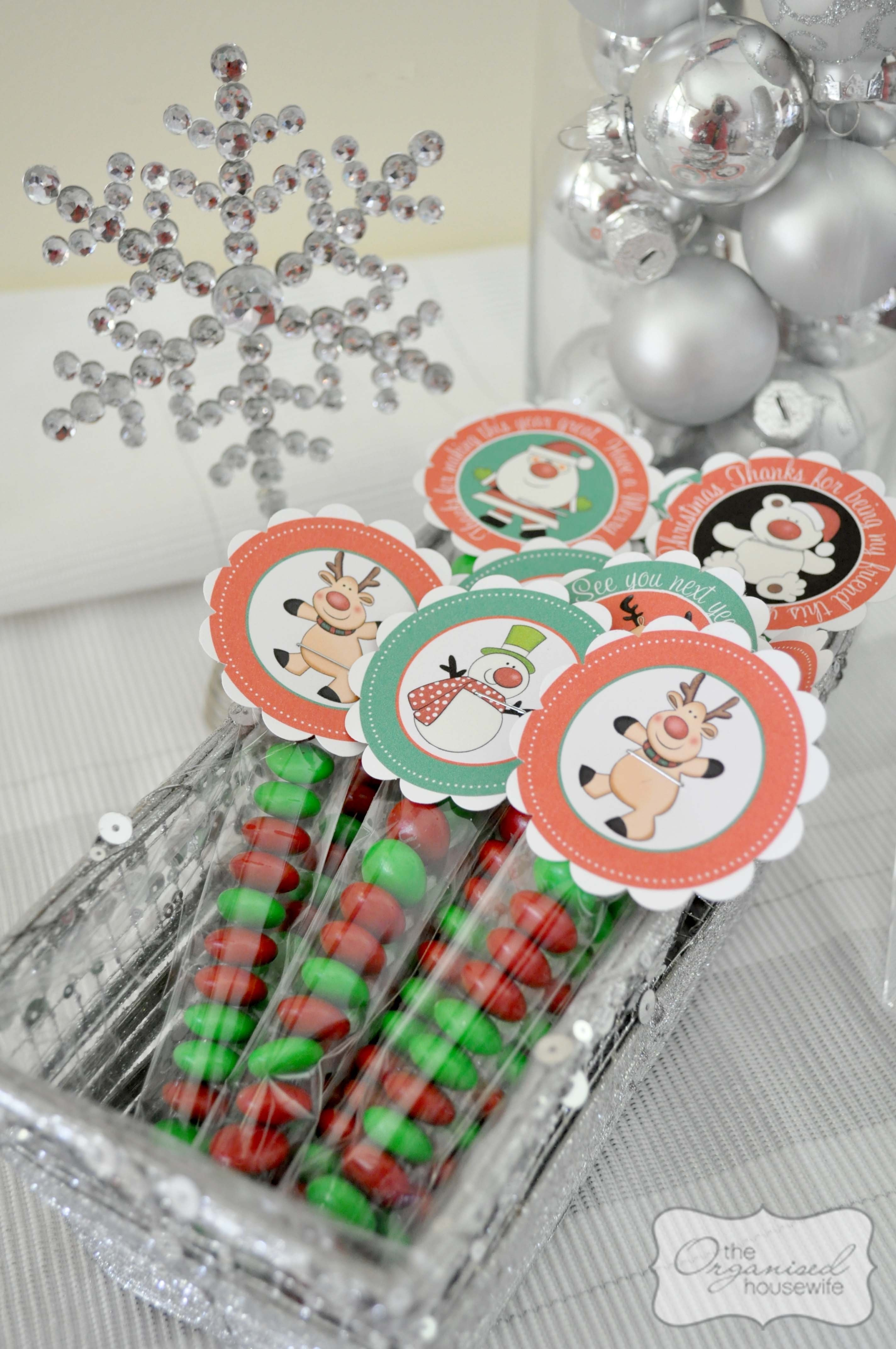 10 Awesome Small Gift Ideas For Friends christmas planning kids gifts to give their friends the organised 1