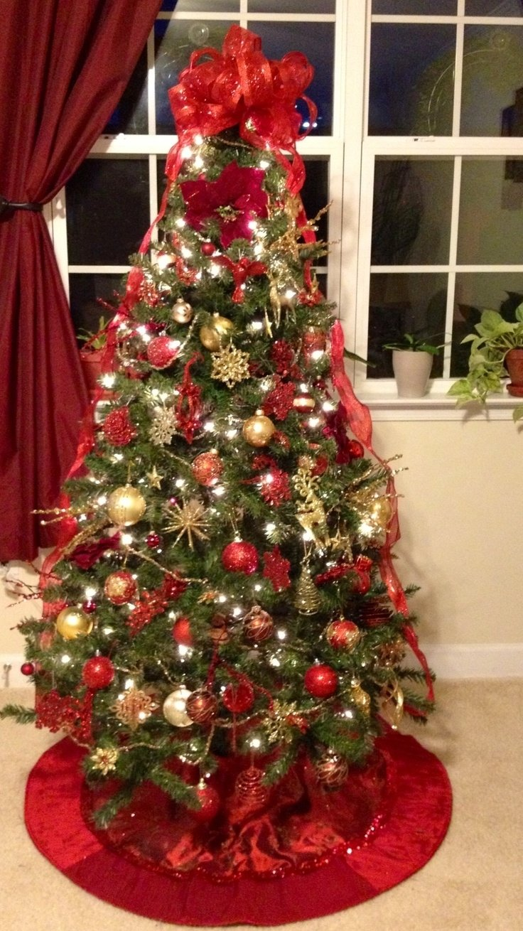 10 Amazing Red And Gold Christmas Tree Decorating Ideas christmas tree christmas tree pinterest christmas tree christmas 2021