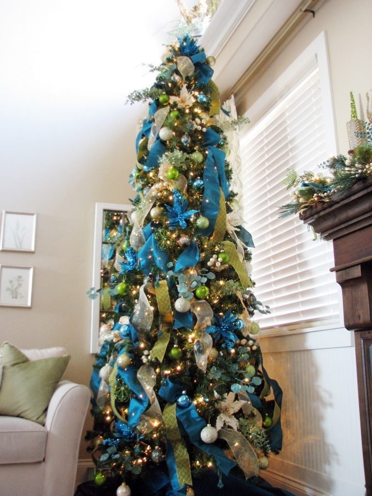 christmas tree decorations with ribbons – christmas celebration