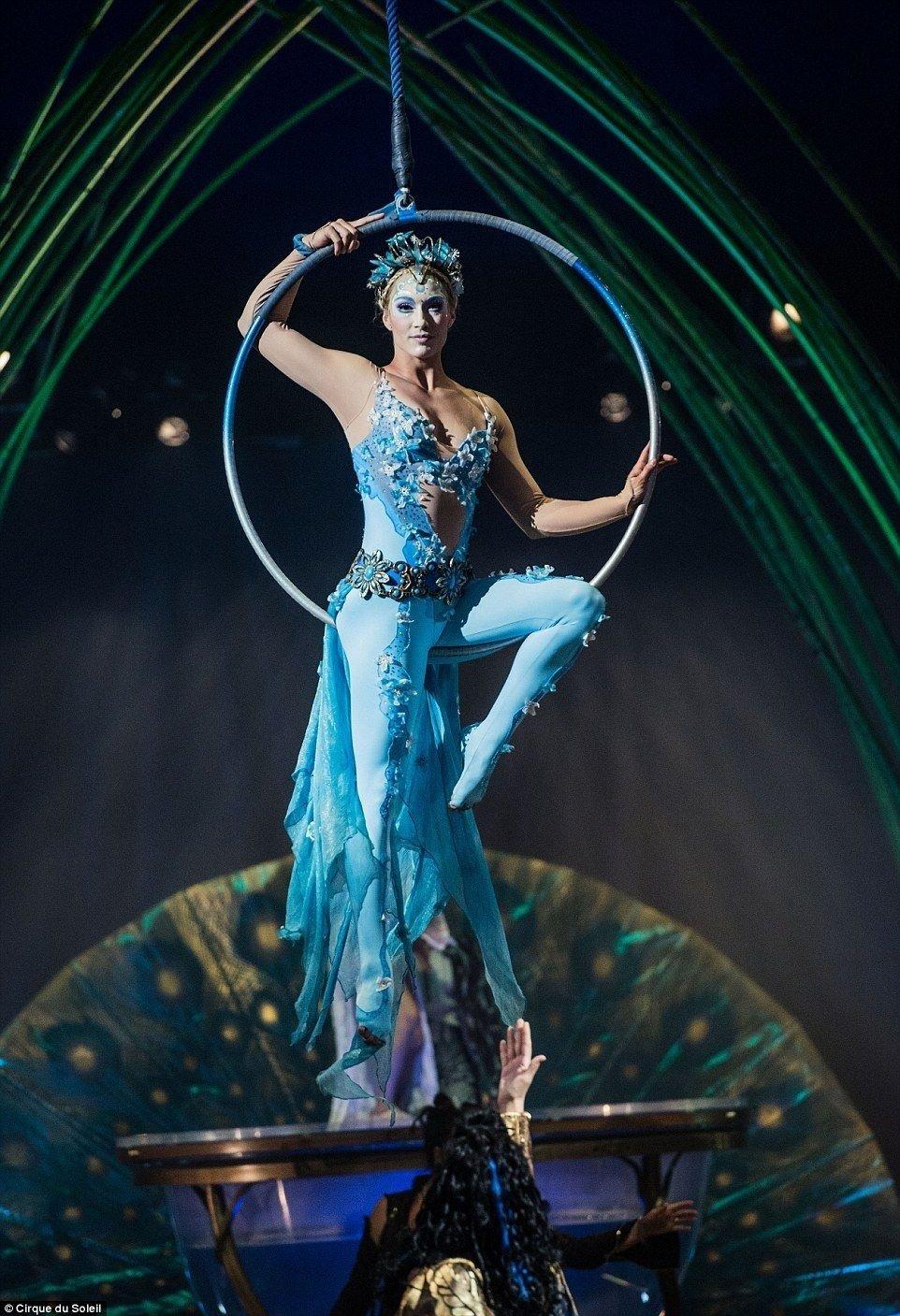 10 Famous Cirque Du Soleil Costume Ideas cirque du soleil celebrates 20 years at the albert hall mysterious 2021