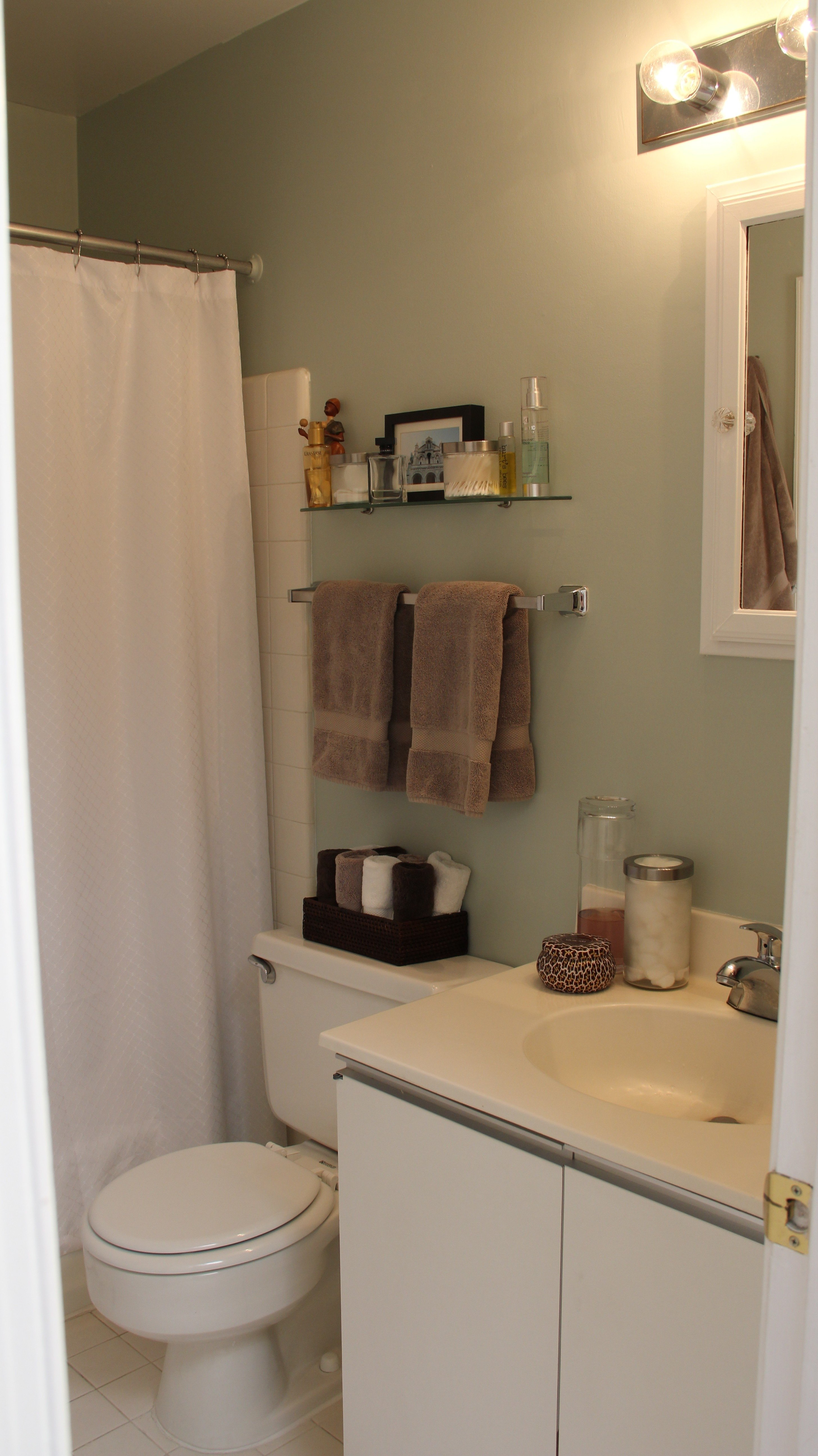 10 Famous Small Apartment Bathroom Decorating Ideas collection of solutions bathroom small apartment bathroom ideas