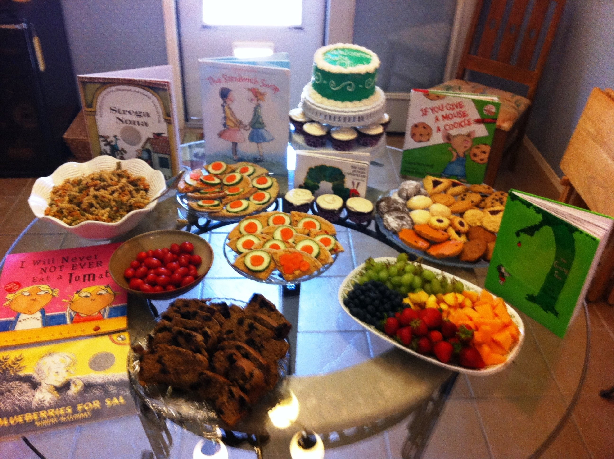 10 Stylish Baby Shower Finger Food Ideas On A Budget