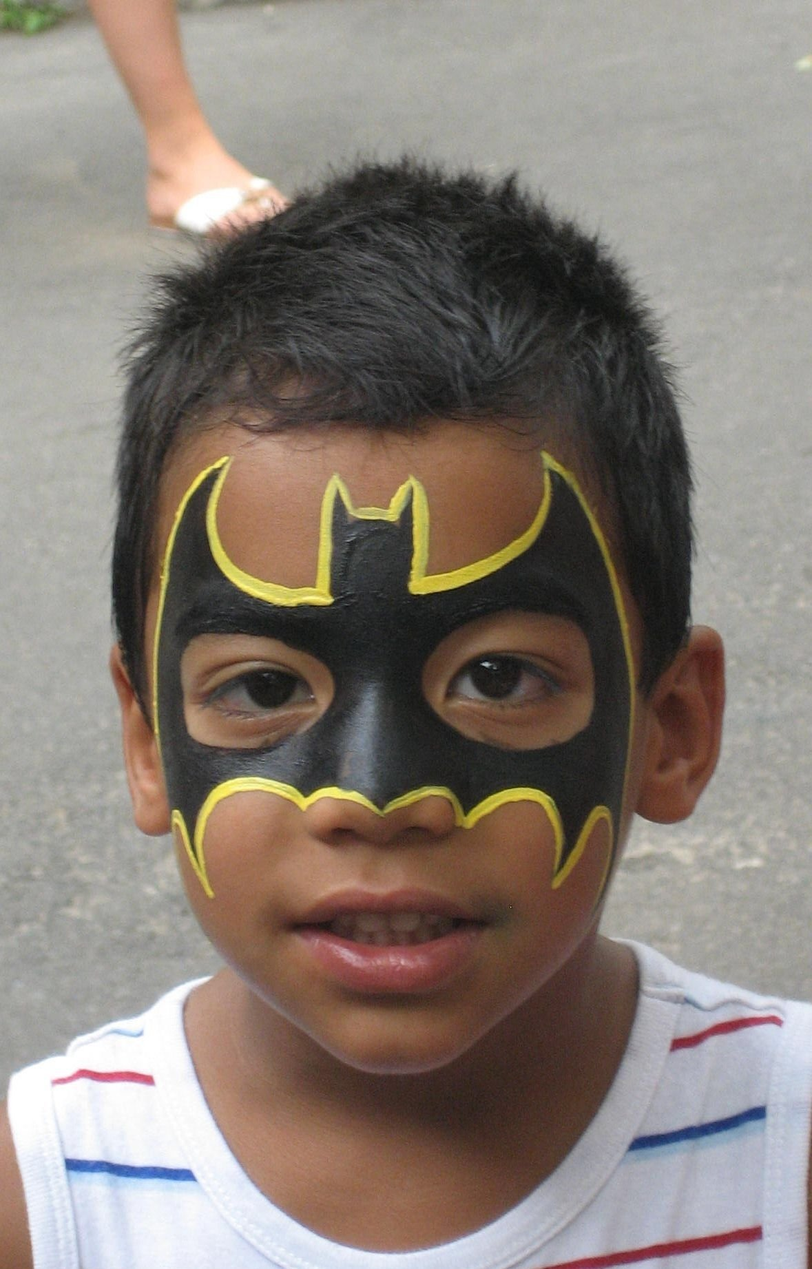 10 Attractive Face Painting Ideas For Boys cool batman face painting face painting pinterest batman face 1