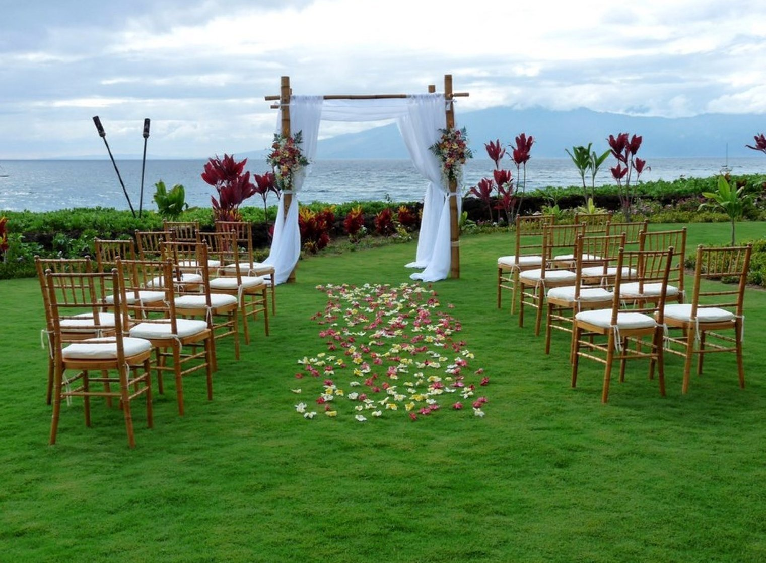 10 Fantastic Small Backyard Wedding Ideas On A Budget cool small backyard wedding ideas on a budget pics inspiration